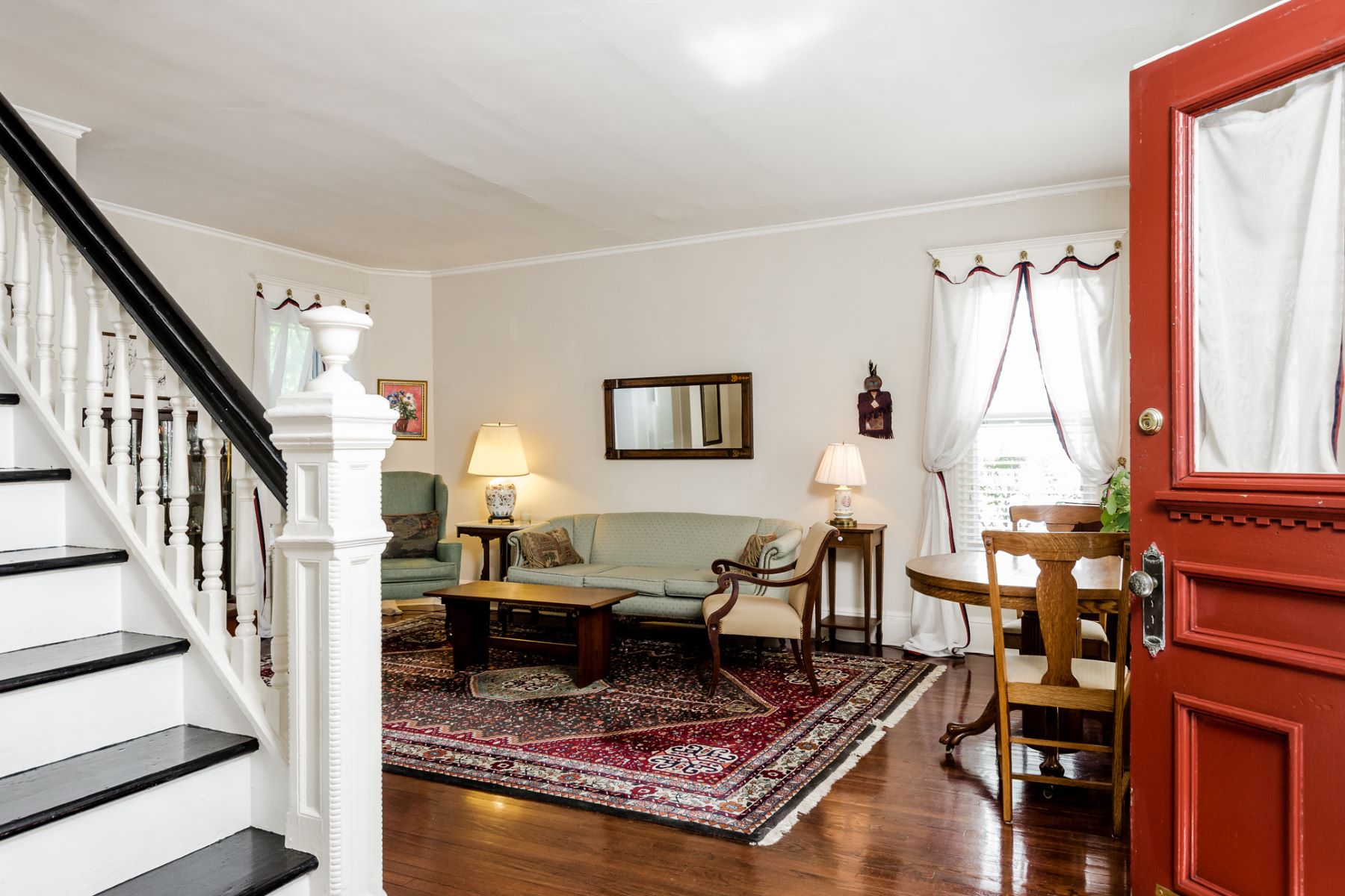 Additional photo for property listing at Uptown Living at Its Best 26 North Main Street, Pennington, New Jersey 08534 United States