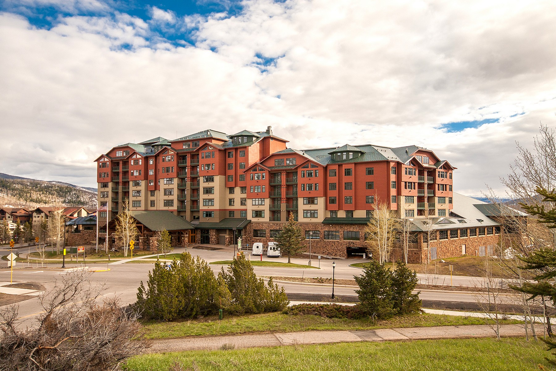 Additional photo for property listing at 3BD/3BA Suite at The Grand 2300 Mt. Werner Circle QIVB #216 Steamboat Springs, Colorado 80487 United States
