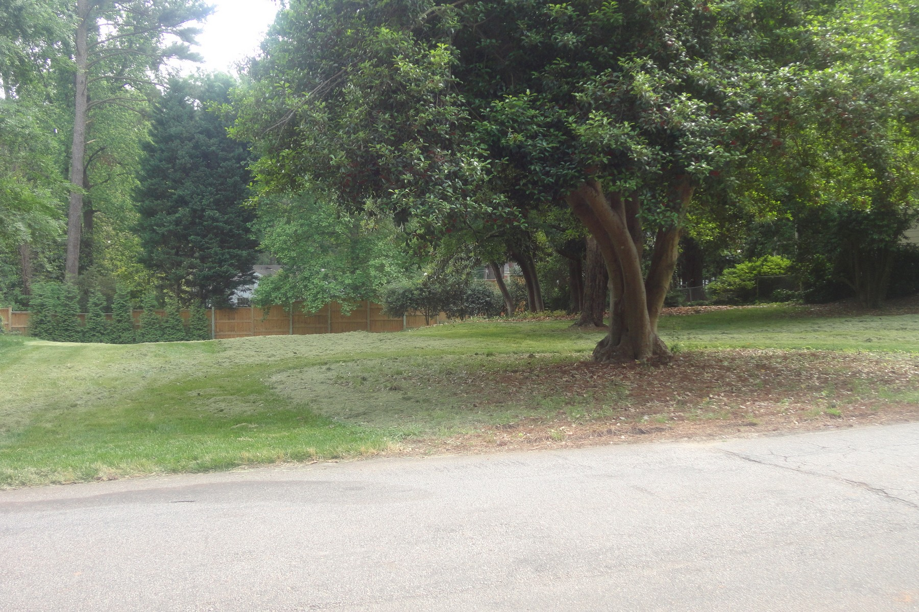 Land for Sale at 3318 Alamance Drive Raleigh, North Carolina, 27609 United StatesIn/Around: Cary, Durham, Chapel Hill