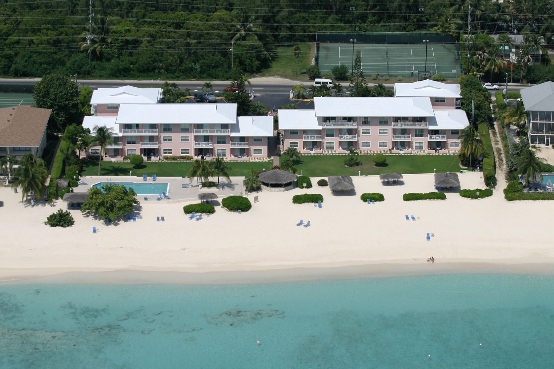 Condominium for Rent at Christopher Columbus Seven Mile Beach, Cayman Islands