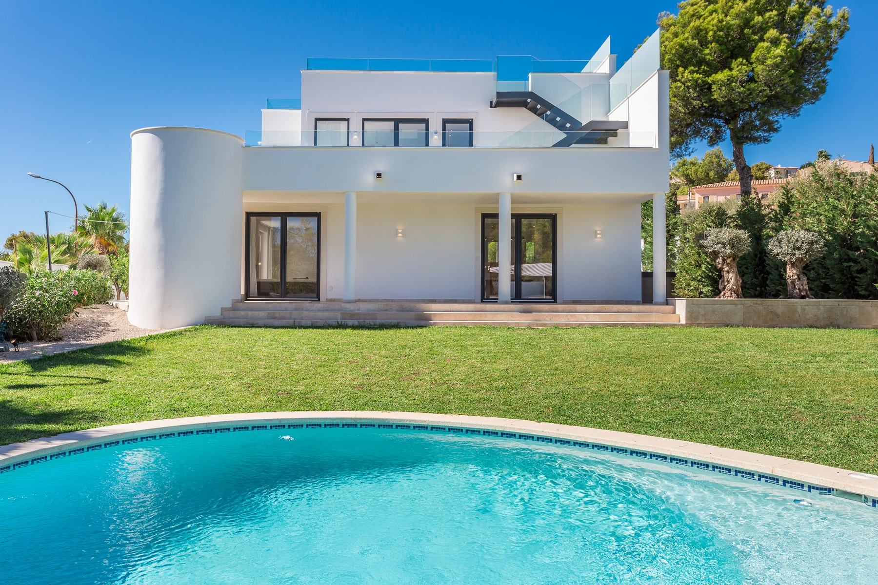 Maison unifamiliale pour l Vente à Newly built villa with sea views in Santa POnsa Santa Ponsa, Majorque, 07180 Espagne