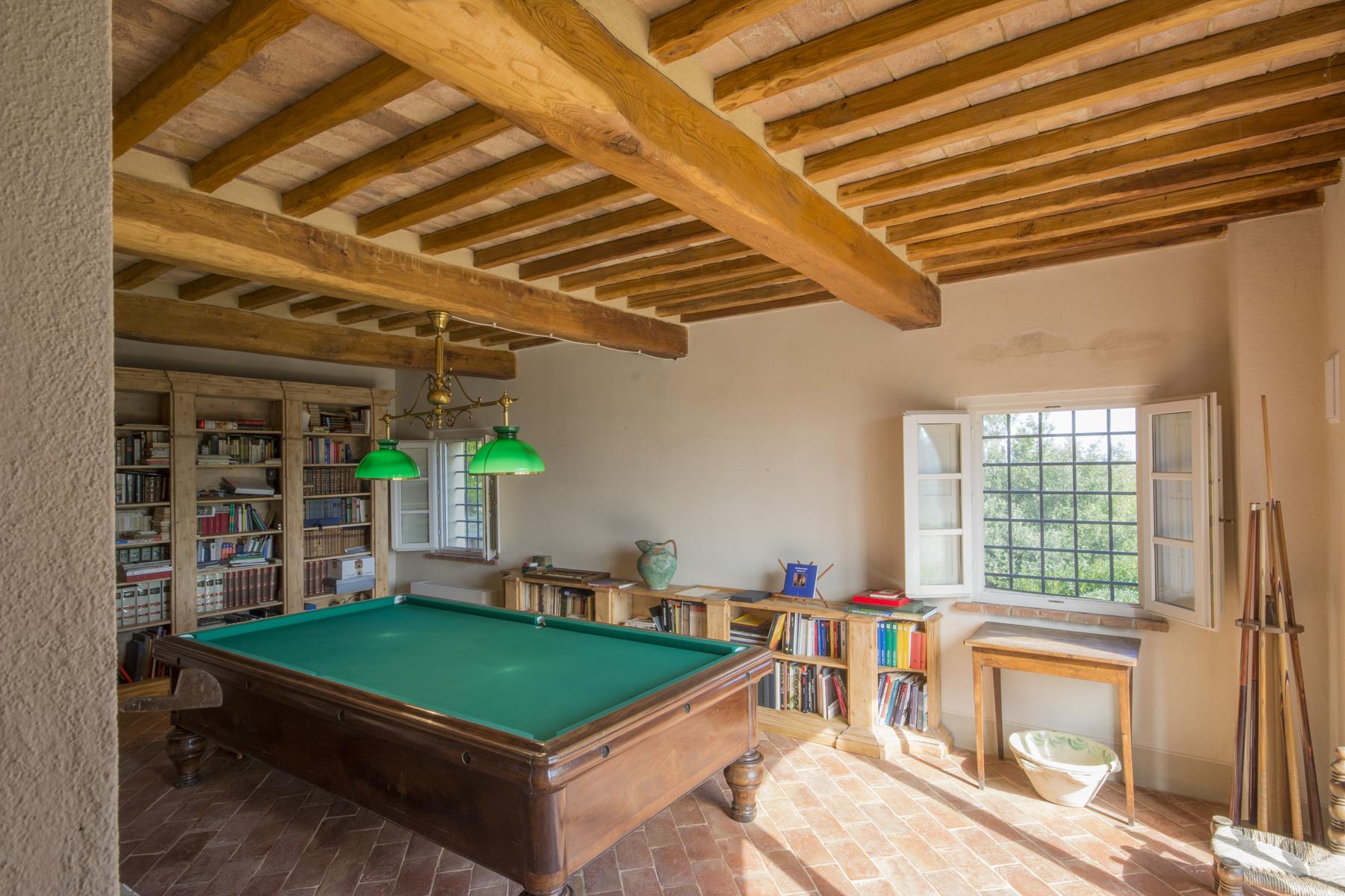Additional photo for property listing at Magnificent villa in the Tuscan countryside Via di Valdisonzi Crespina, Pisa 56040 Italia