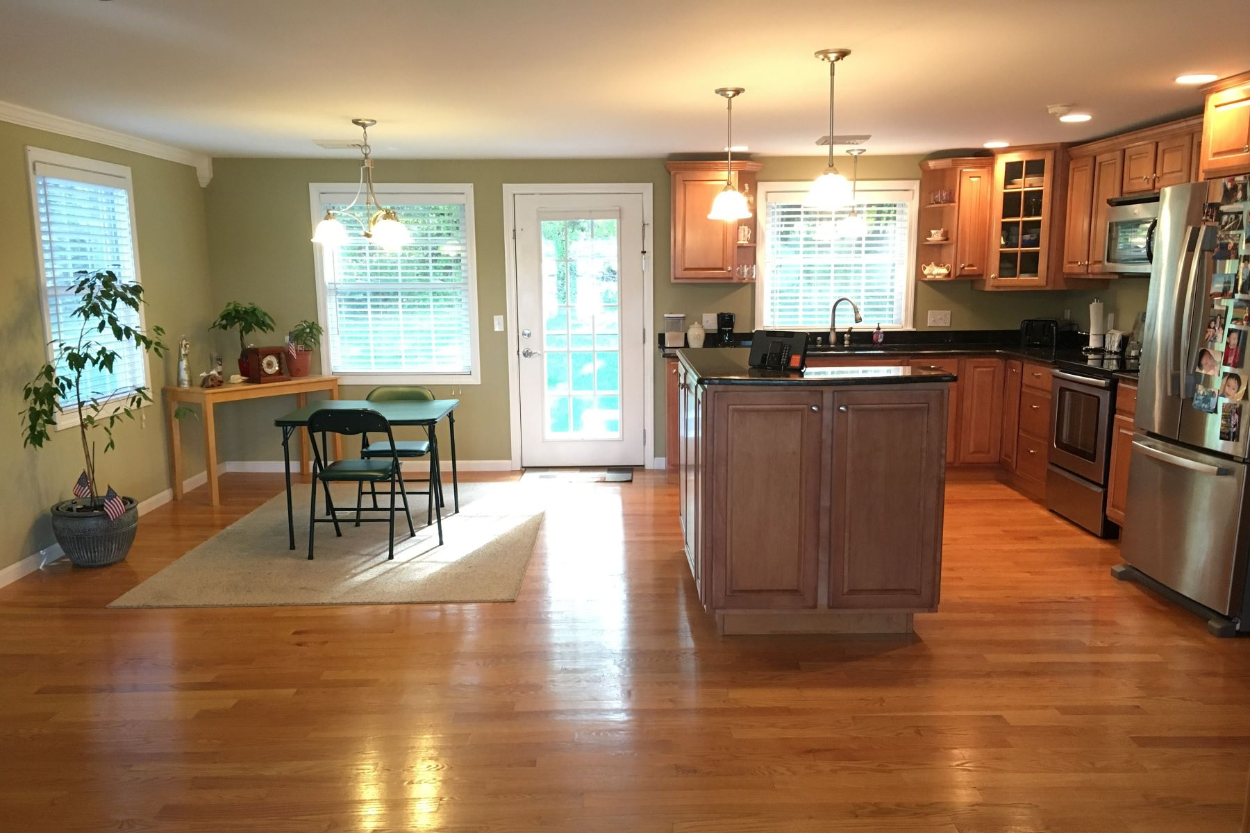 Additional photo for property listing at Leland Point 17 Leland Point Drive Portsmouth, Rhode Island 02871 Estados Unidos