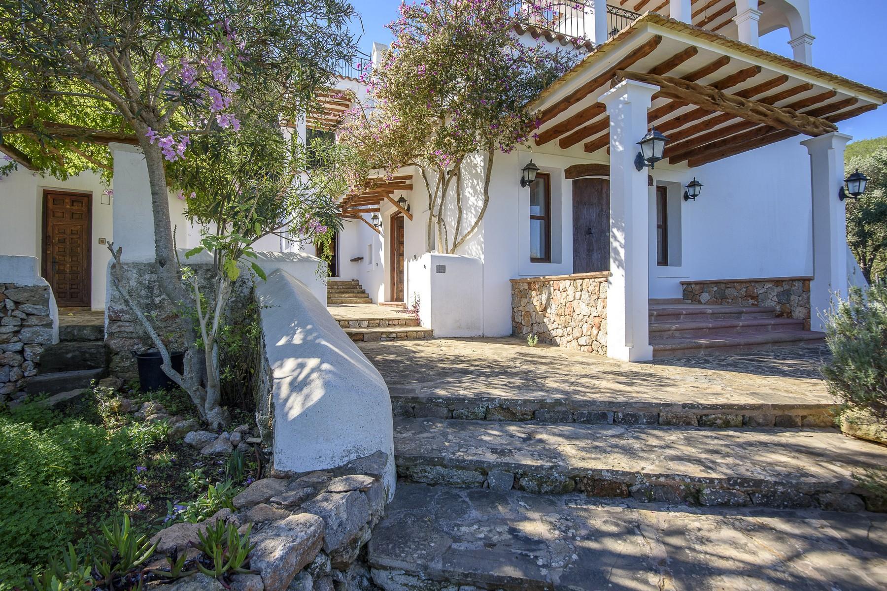 Nhà ở một gia đình vì Bán tại Characterial Finca In Santa Eulalia Santa Eulalia, Ibiza, 07819 Tây Ban Nha