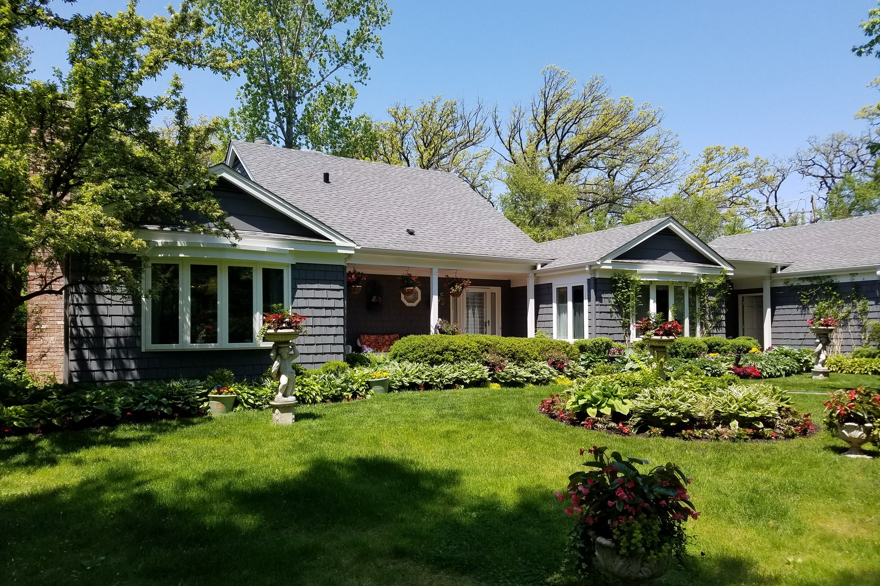 獨棟家庭住宅 為 出售 在 Character-Rich Pristine Home 1742 N Waukegan Road Lake Forest, 伊利諾斯州, 60045 美國