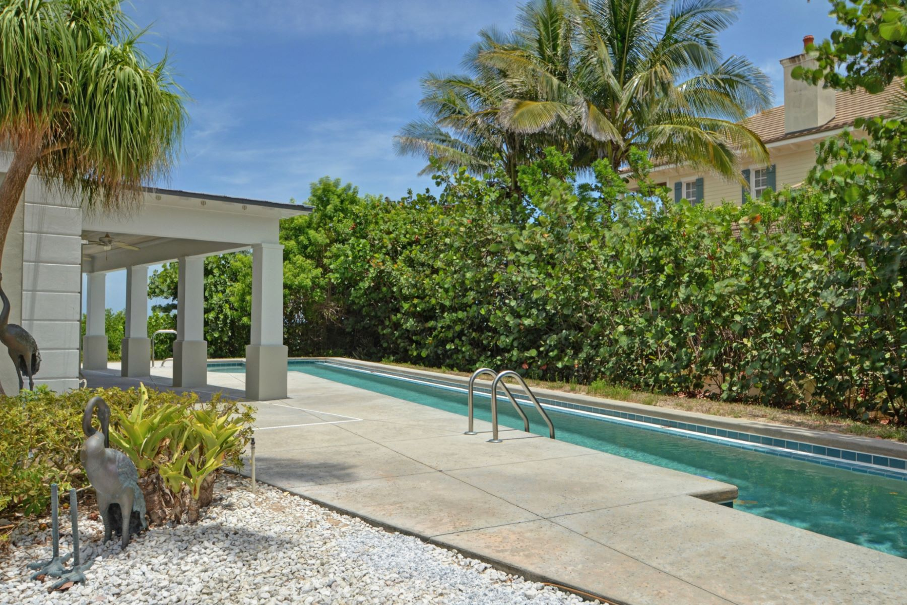 Additional photo for property listing at Oceanfront Estate Home 820 Crescent Beach Road Vero Beach, Florida 32963 Usa