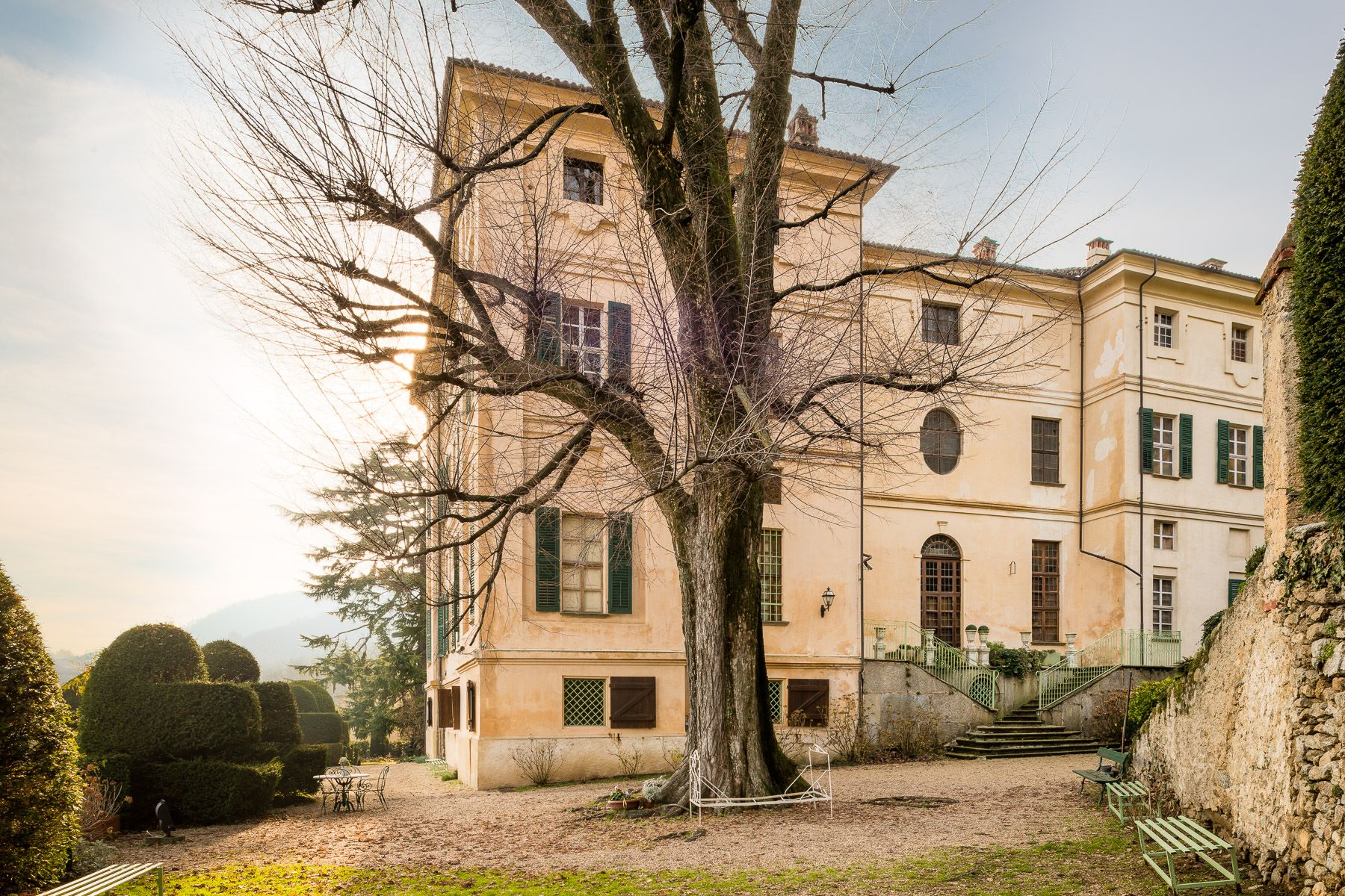 Additional photo for property listing at Majestueux château en Piémont Piazzetta del Castello Cumiana, Turin 10040 Italie