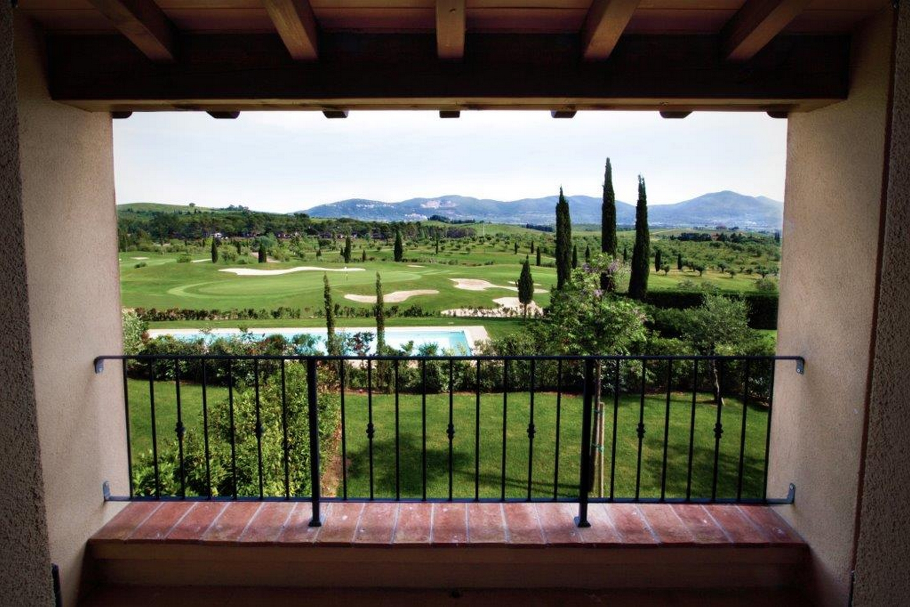 Additional photo for property listing at Golf, hills and Tuscan countryside Gavorrano Gavorrano, Grosseto 58023 Italy
