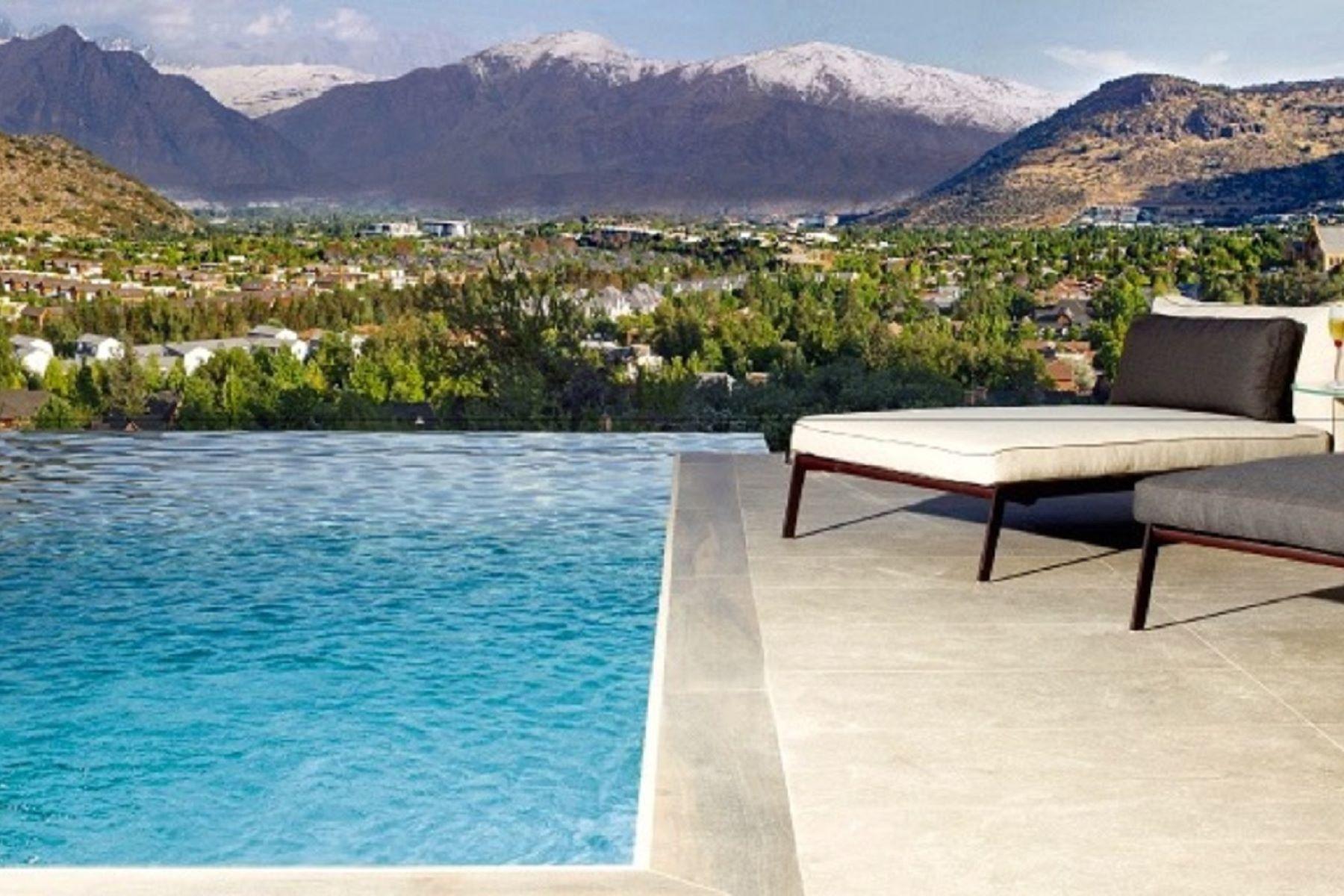 Departamento por un Venta en Exclusivo Penthouse Golf de Manquehue - La Dehesa Lo Barnechea, Santiago, Region Metropolitana De Santiago Chile