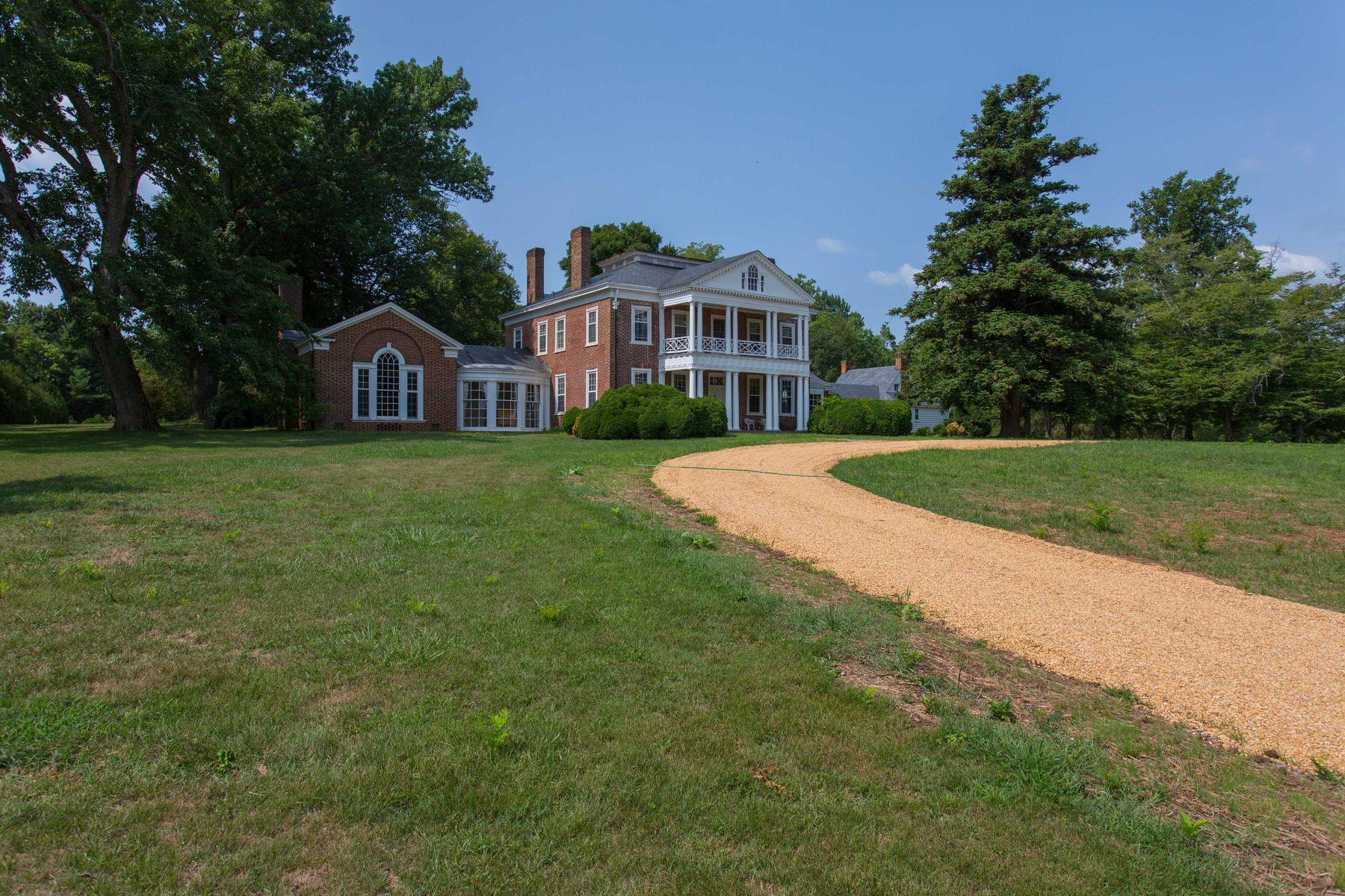 一戸建て のために 売買 アット GLENDOWER ESTATE 7369 DYERS MILL LN Scottsville, バージニア, 24590 アメリカ合衆国で/アラウンド: Charlottesville