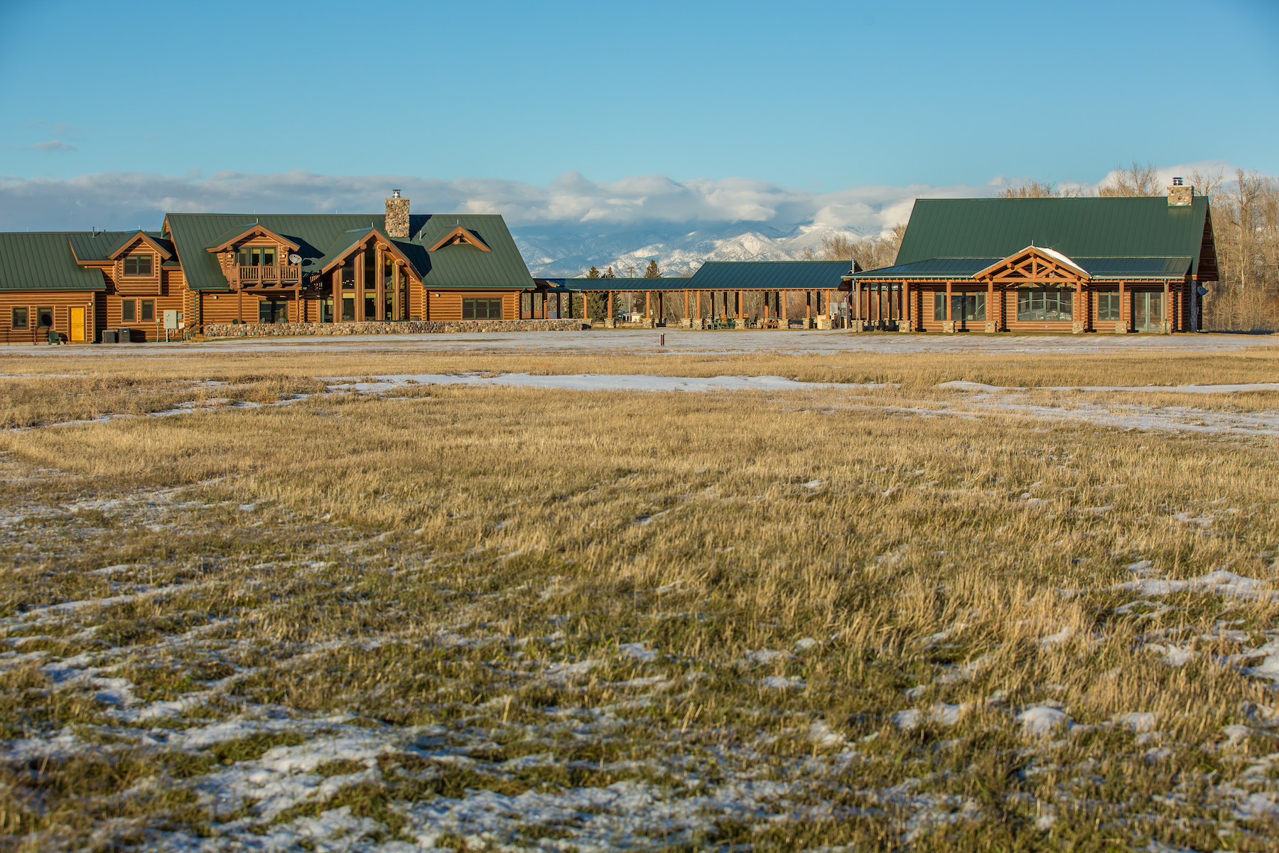 Single Family Home for Sale at Gallatin Gateway Log Home 1021 Gateway South Road Gallatin Gateway, Montana, 59730 United States