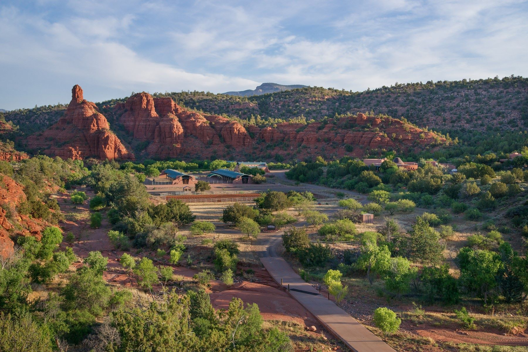 Terrain pour l Vente à One-of-a-kind property - largest undeveloped privately owned parcels in Sedona 6625 W State Route 89A -- 0 Sedona, Arizona, 86336 États-Unis