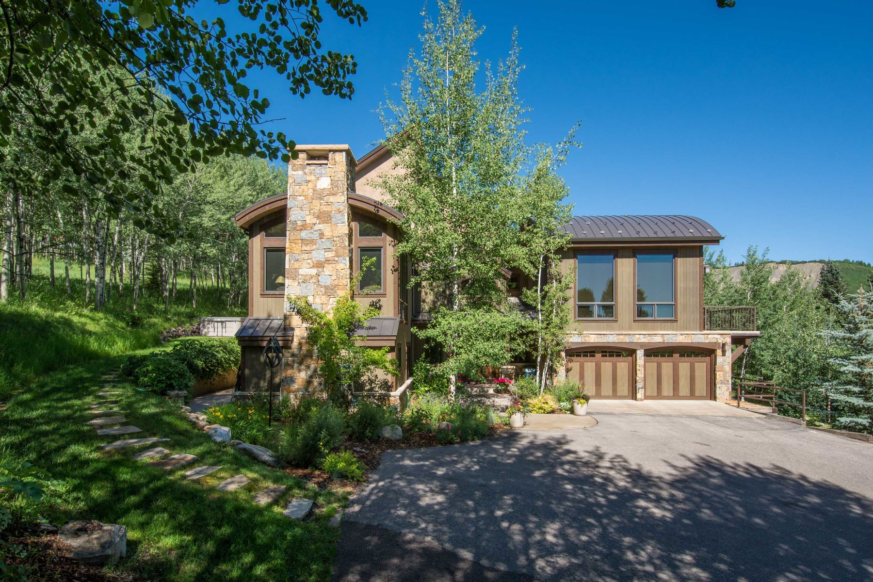 Single Family Home for Sale at One-Of-A-Kind Ski Home 435 Faraway, Snowmass Village, Colorado, 81615 United States