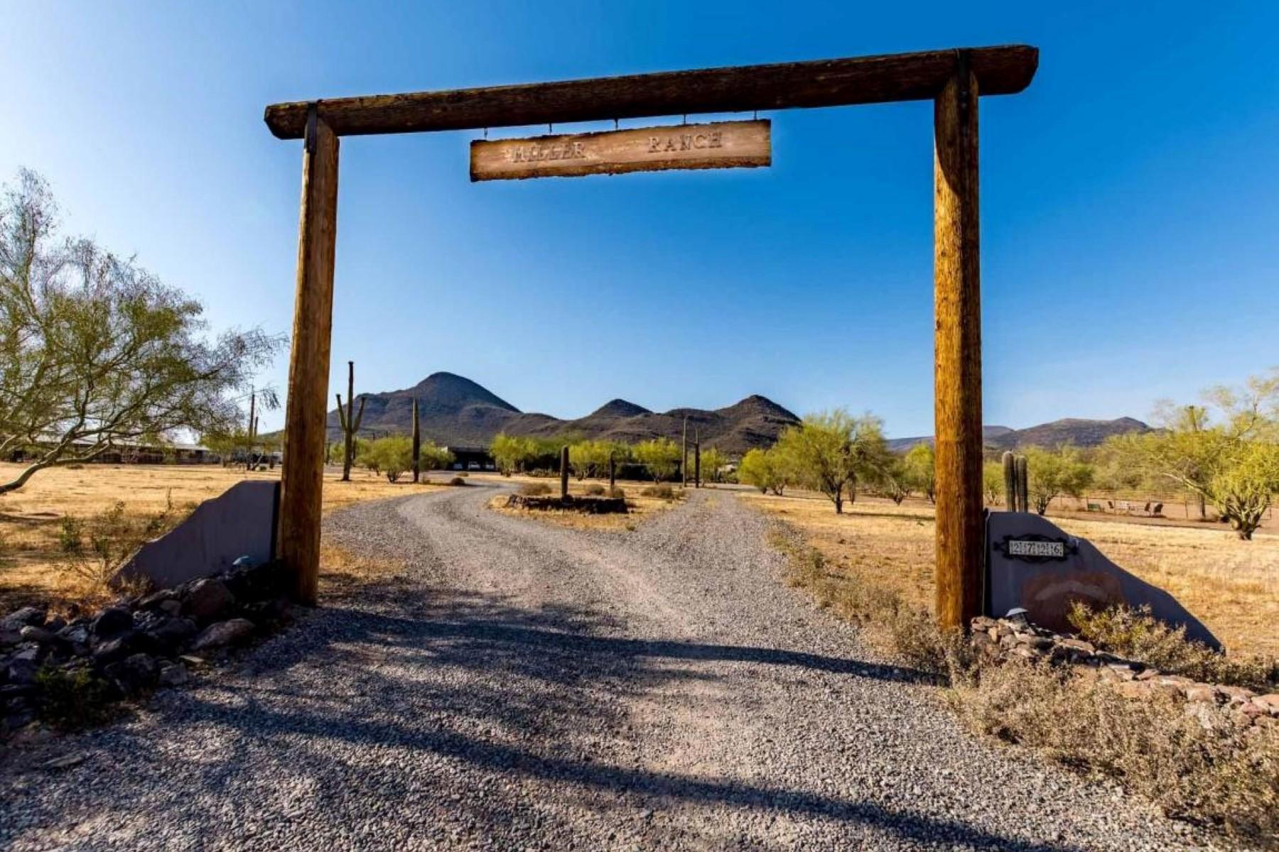 一戸建て のために 売買 アット 10+ acre Miller Ranch in Cave Creek 2726 E Saddle Mountain Rd Cave Creek, アリゾナ, 85331 アメリカ合衆国