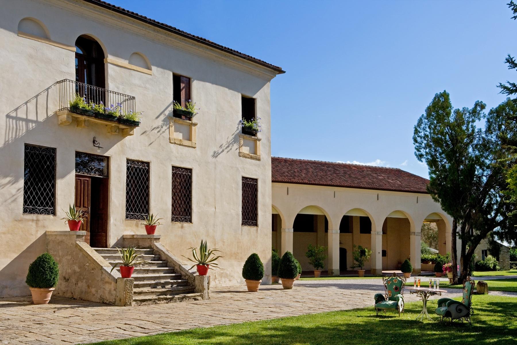 Single Family Home for Sale at Stunnig Venetian Villa Barbarano Vicentino, Vicenza Italy