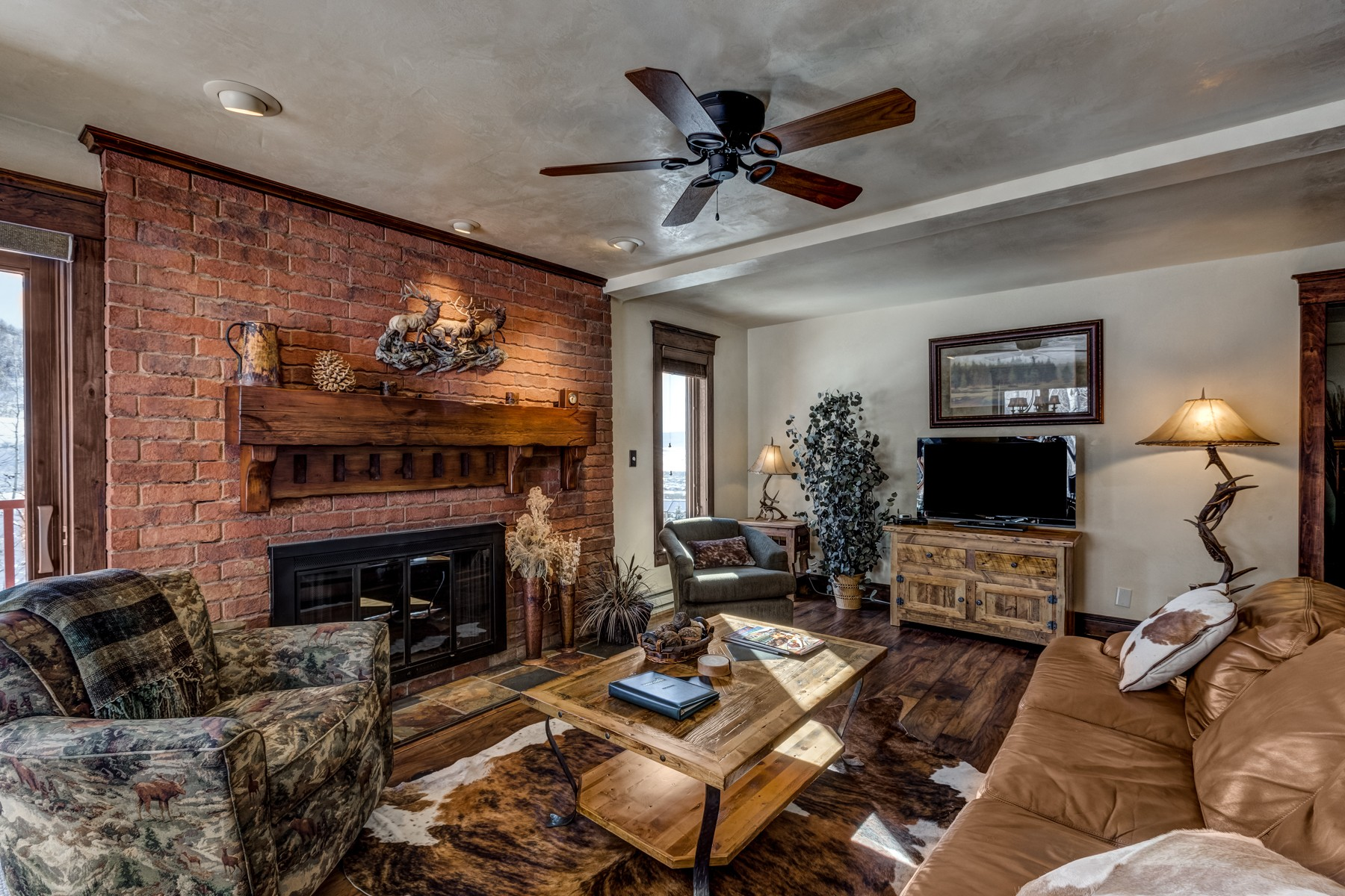 Additional photo for property listing at Ski-in/Ski-out Bear Claw Luxury 2430 Ski Trail Lane Steamboat Springs, Colorado 80487 Estados Unidos