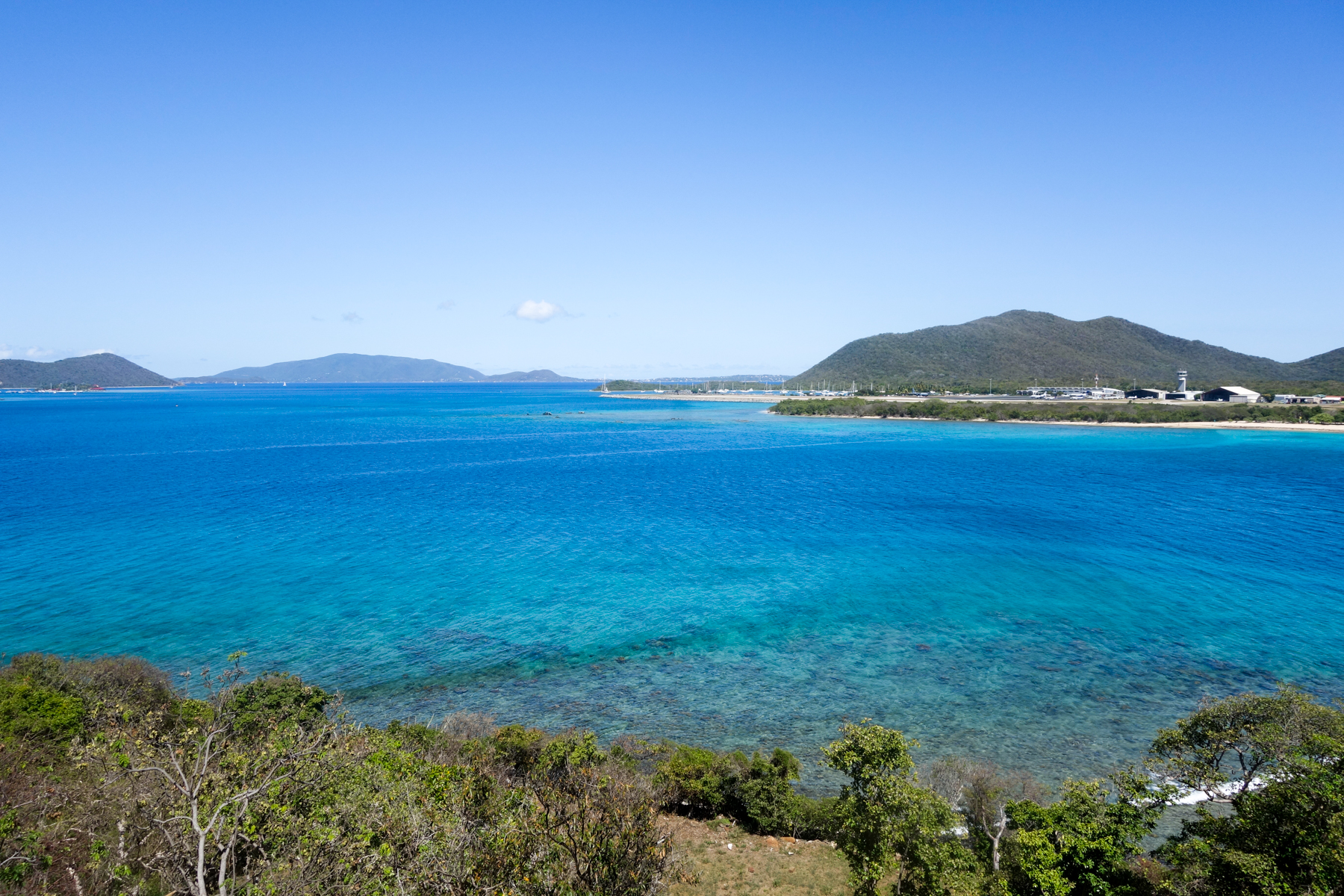 Additional photo for property listing at Little Mountain Beachside Land Little Mountain, Beef Island Isole Vergini Britanniche