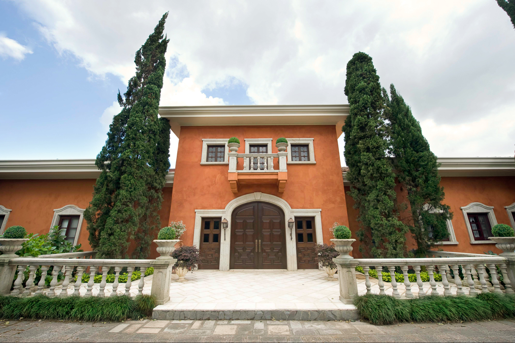 Additional photo for property listing at Italian Style Residence  Pinares, San Jose 11801 Costa Rica