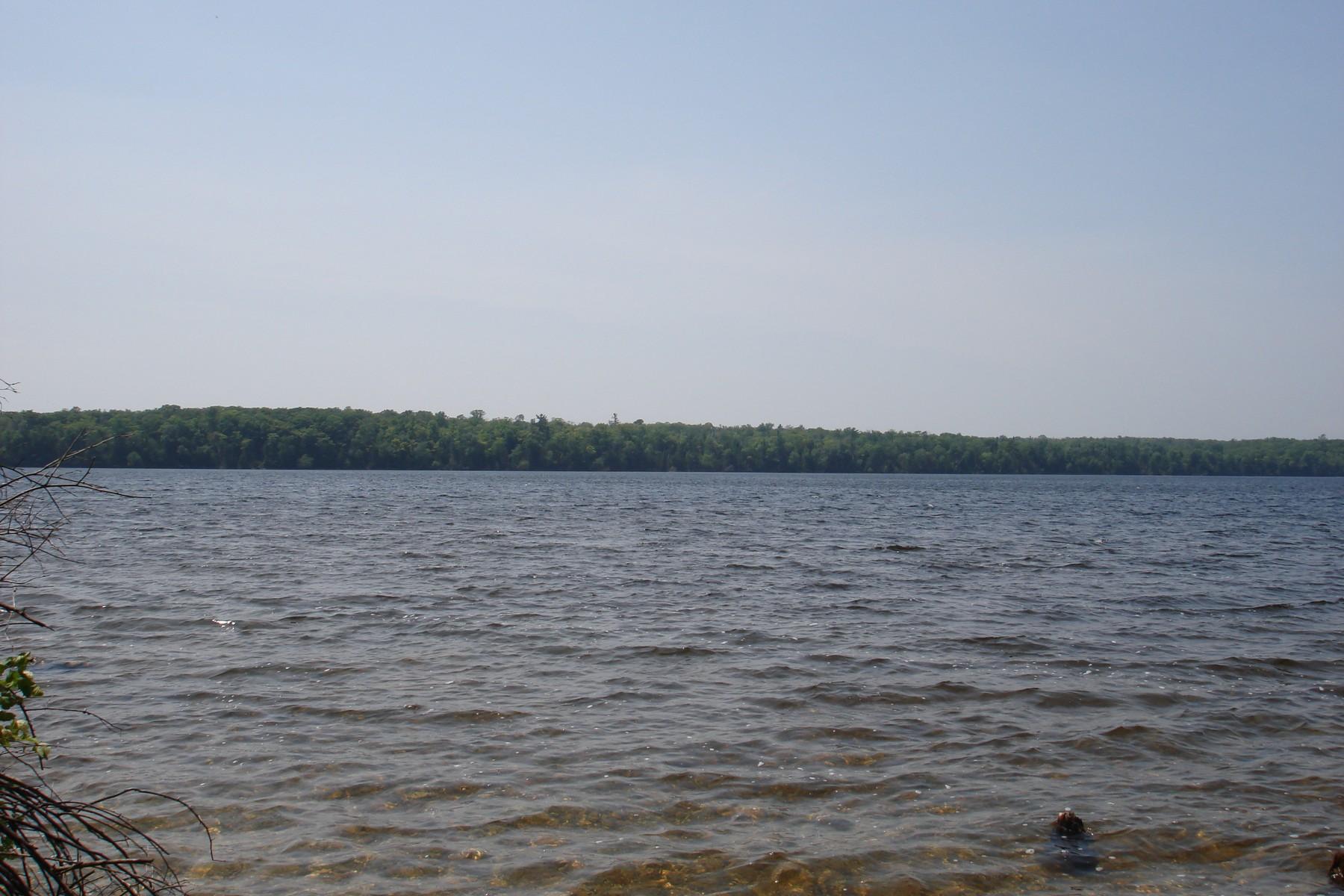 Terrain pour l Vente à Carlisle Drive Beaver Island, Michigan, 49782 États-Unis