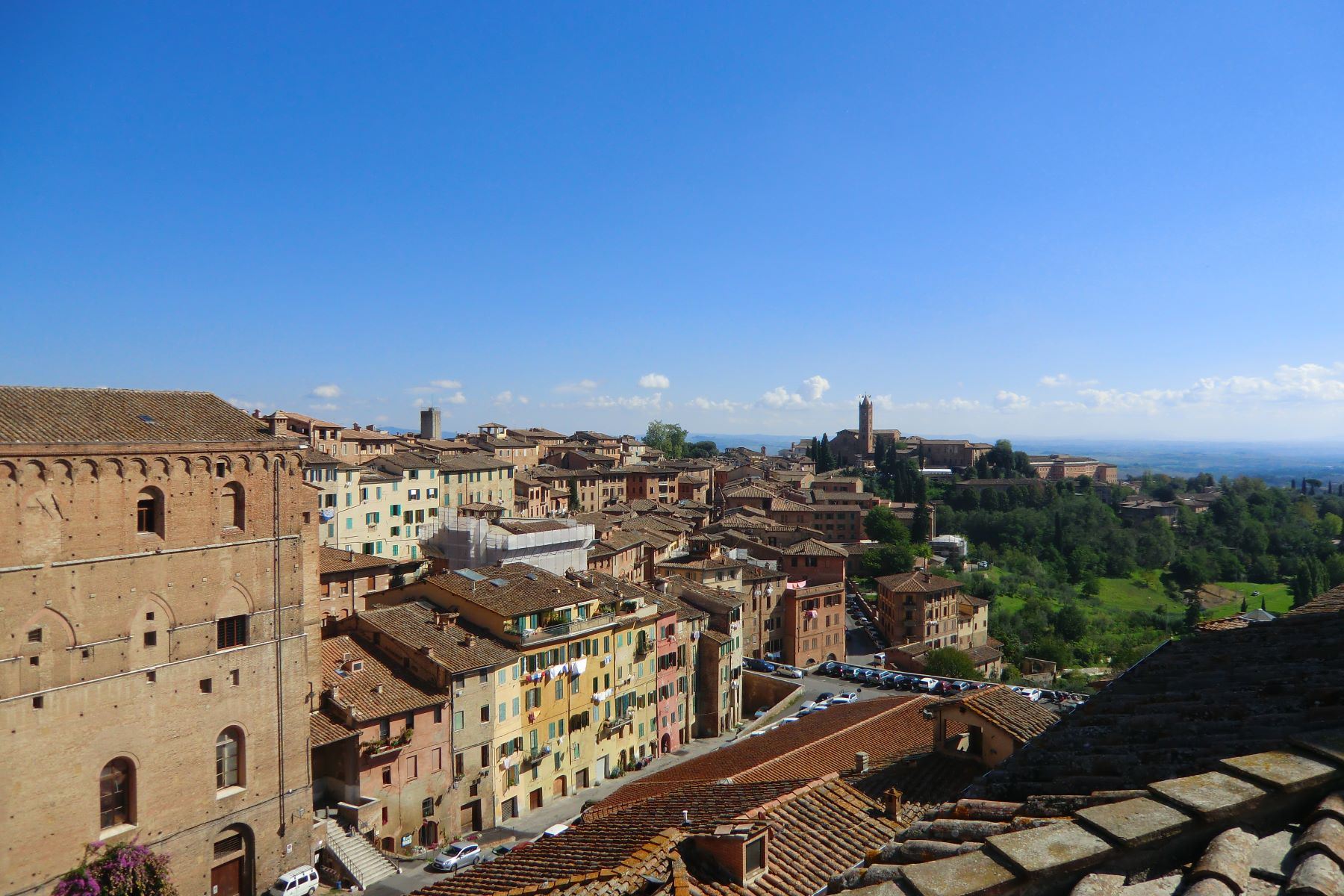 Additional photo for property listing at Beautiful apartment with views of Piazza del Campo  Siena, Siena 53100 Italy