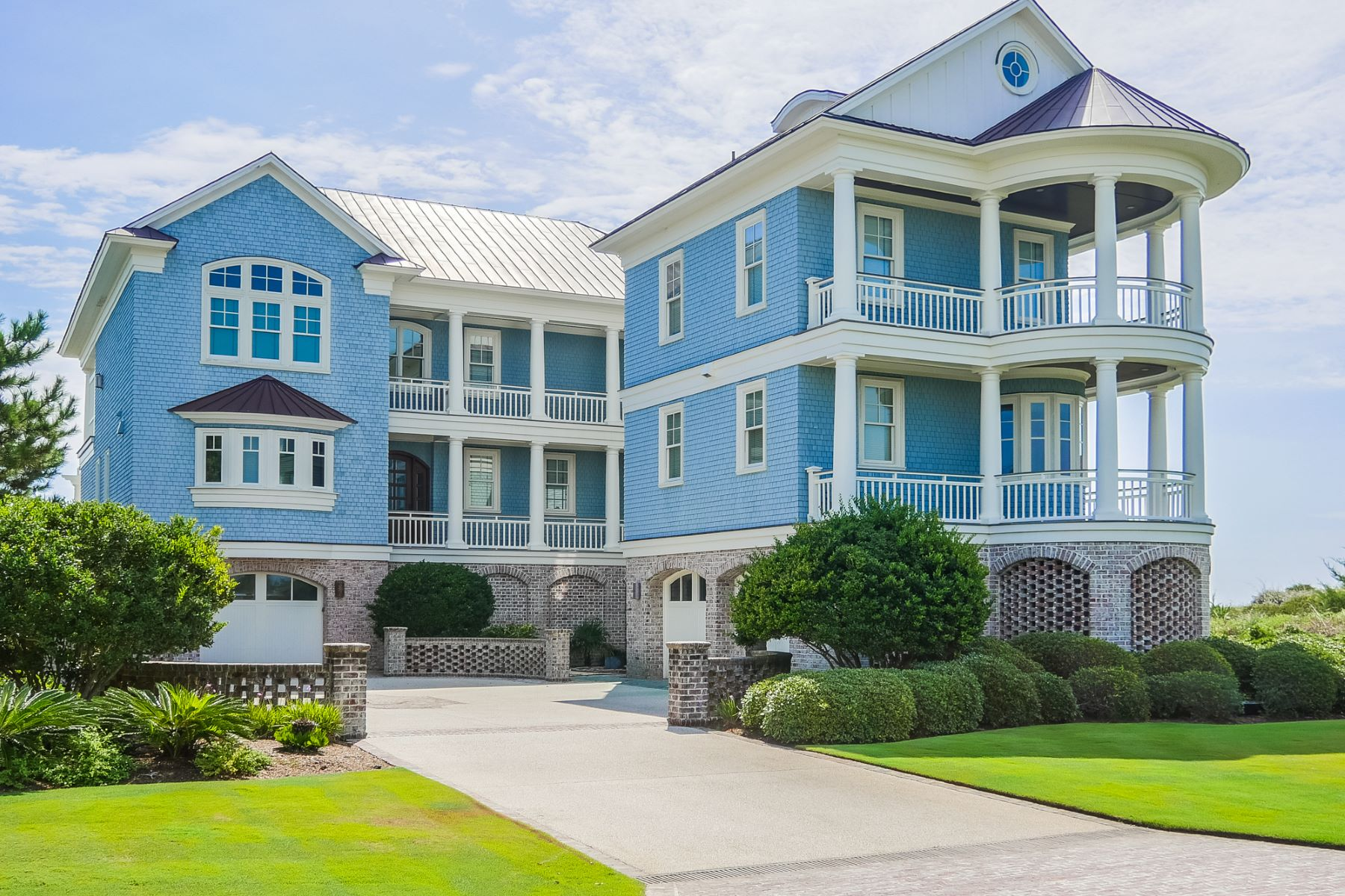 Single Family Home for Sale at Figure 8 Island Oceanfront Estate 520 Beach Road N Wilmington, North Carolina 28411 United States