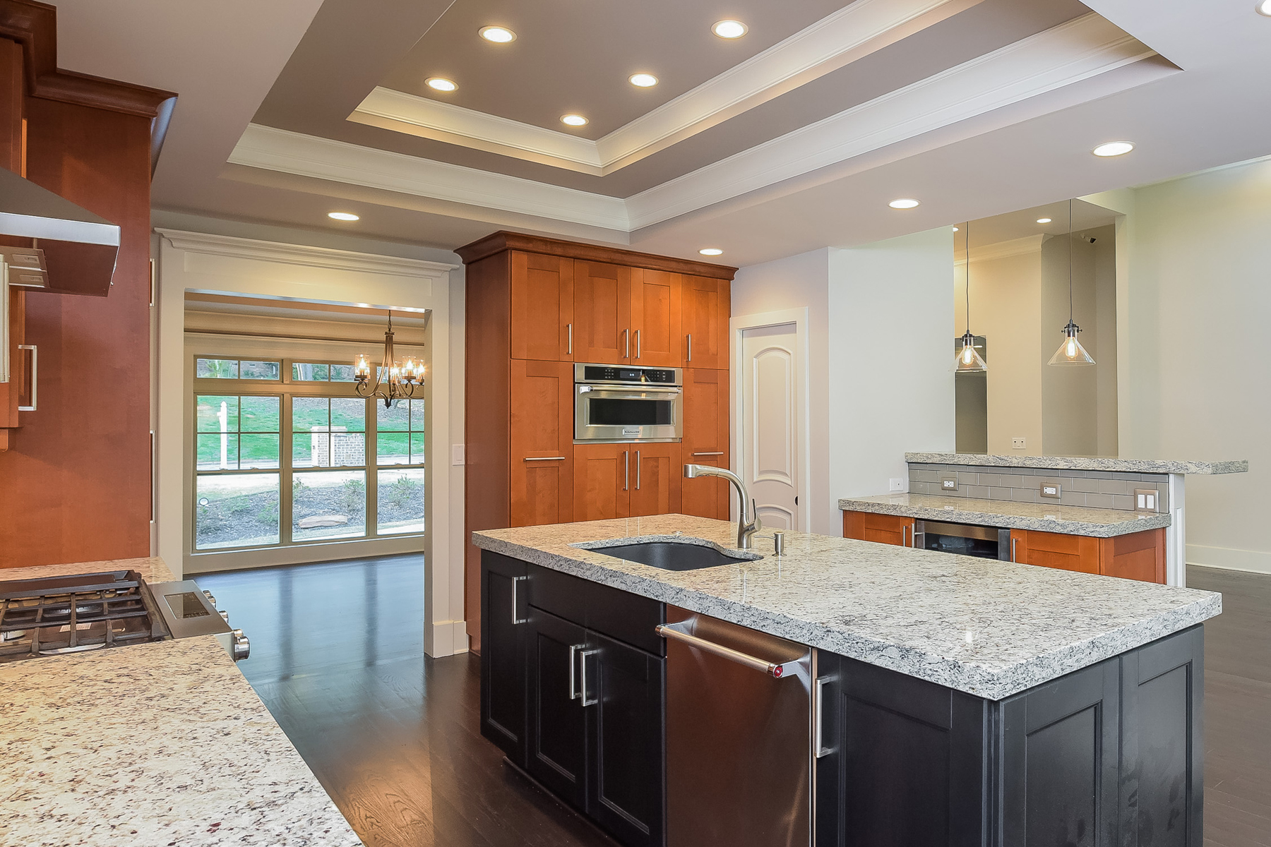 Additional photo for property listing at Beautiful Sandy Springs Home 595 Spalding Drive Sandy Springs, Джорджия 30328 Соединенные Штаты