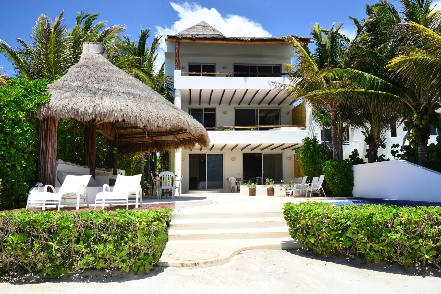 Additional photo for property listing at PENTHOUSE PARAISO FRENTE AL MAR Seafront Paradise Penthouse Predio Maria Irene, Supermzna 12, Mzna 21 13 Puerto Morelos, Quintana Roo 77930 México