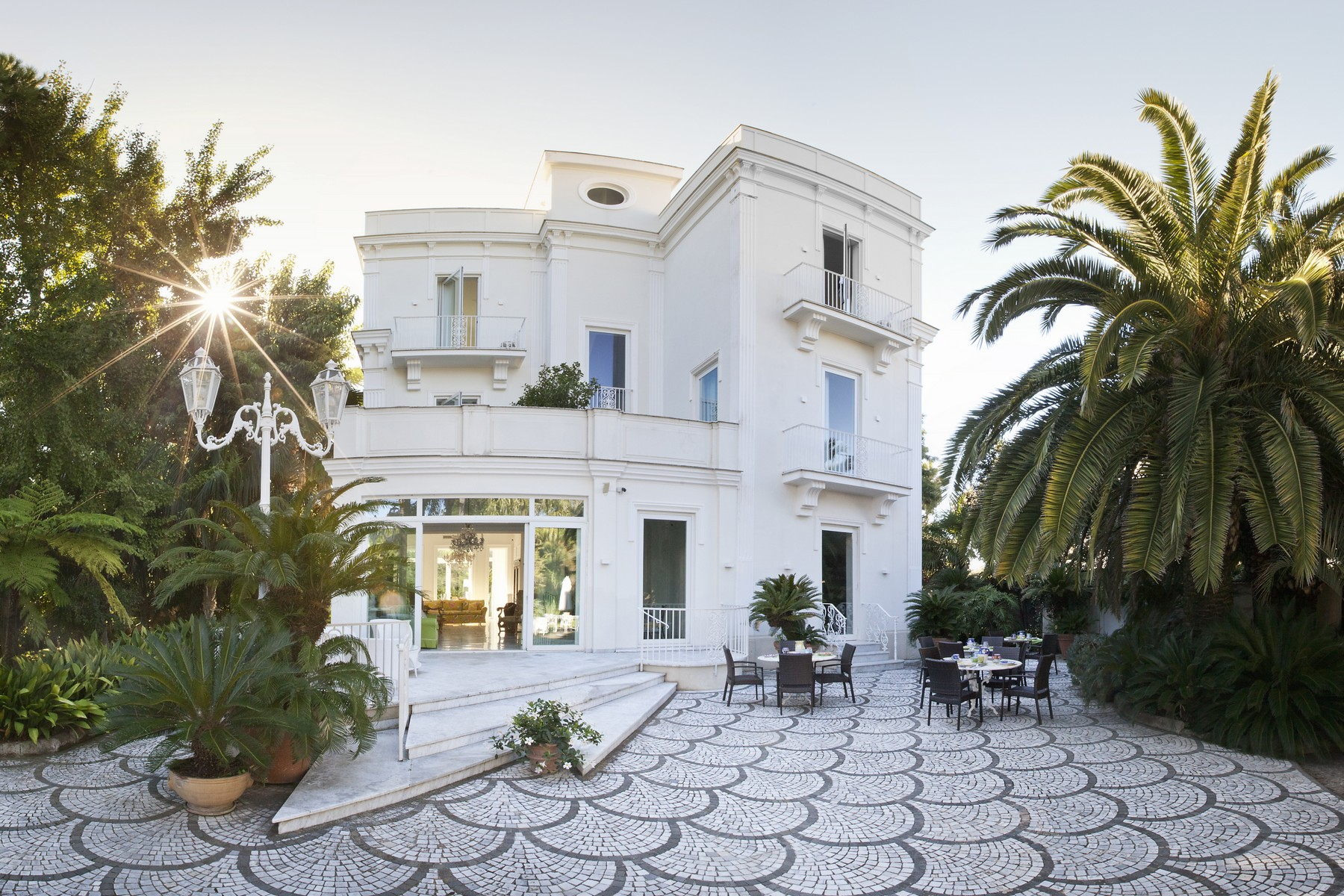 Additional photo for property listing at Historical Villa in Sant'Agnello Sorrento, Naples Italy