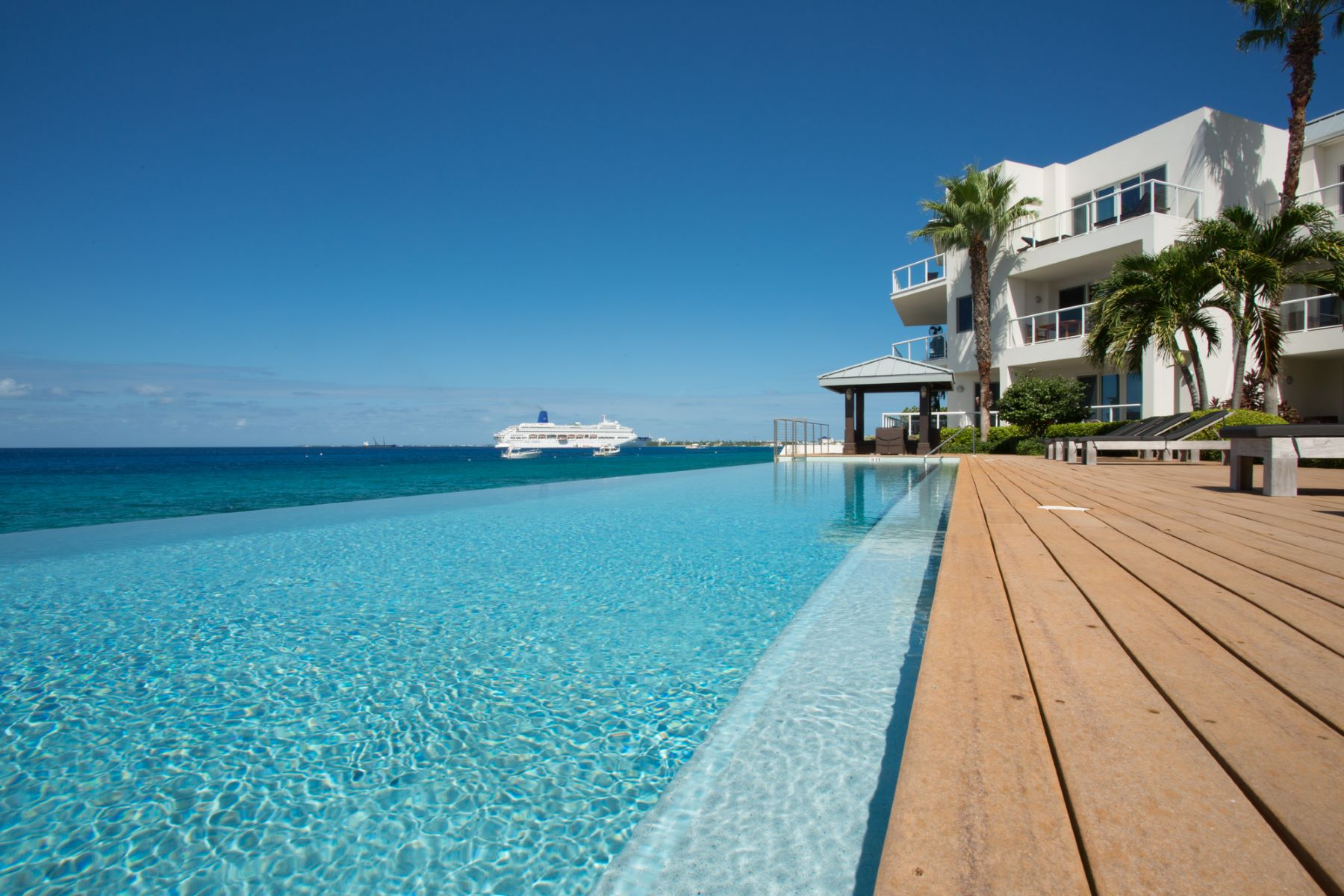 Condominium for Sale at SeaView Residences SeaView Residences 102 S Church St George Town, KY1 Cayman Islands