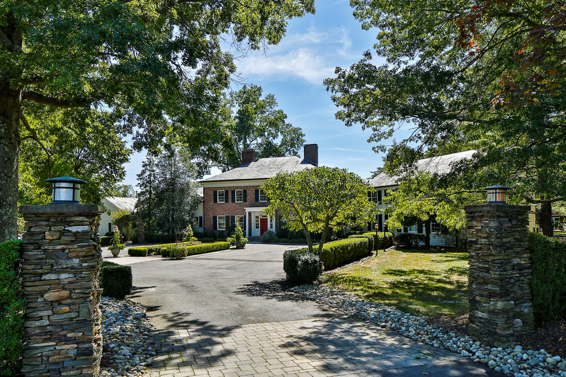 Casa Unifamiliar por un Venta en Hidden Princeton Estate Is a World Unto Itself 214 Cherry Hill Road Princeton, Nueva Jersey 08540 Estados Unidos