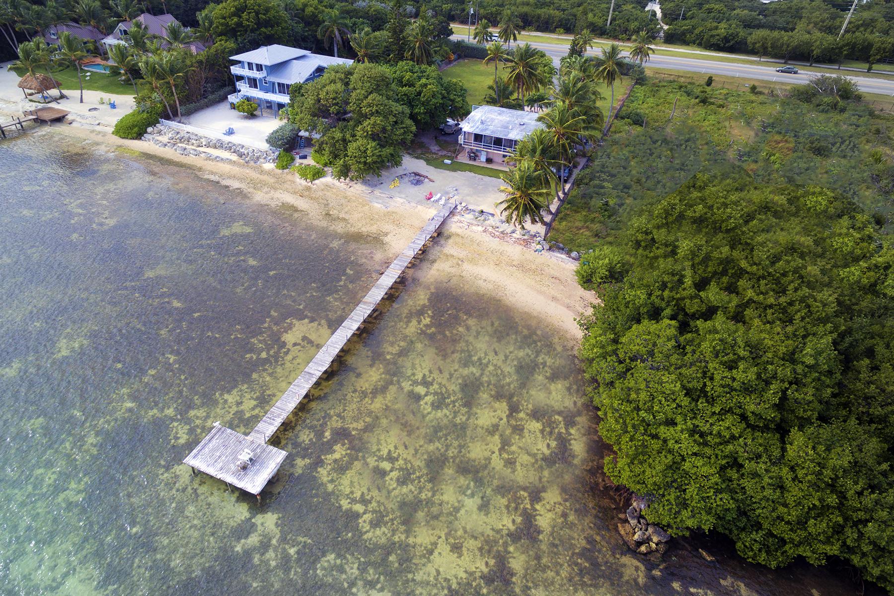 Villa per Vendita alle ore Premier Location 77401 Overseas Highway Florida Keys, Islamorada, Florida, 33036 Stati Uniti