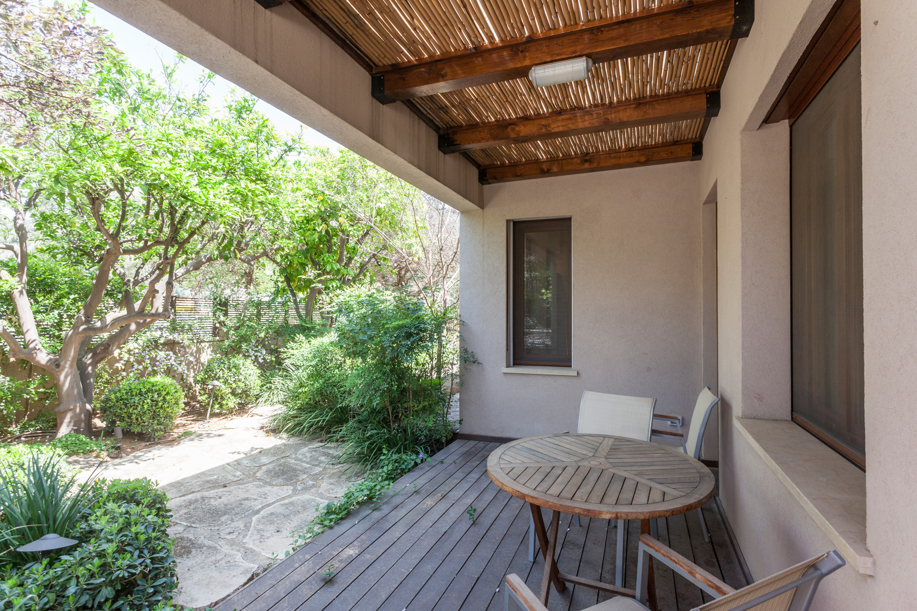 Additional photo for property listing at Bright and Elegant Private house in Nes Ziona Nes Ziona, 以色列 以色列