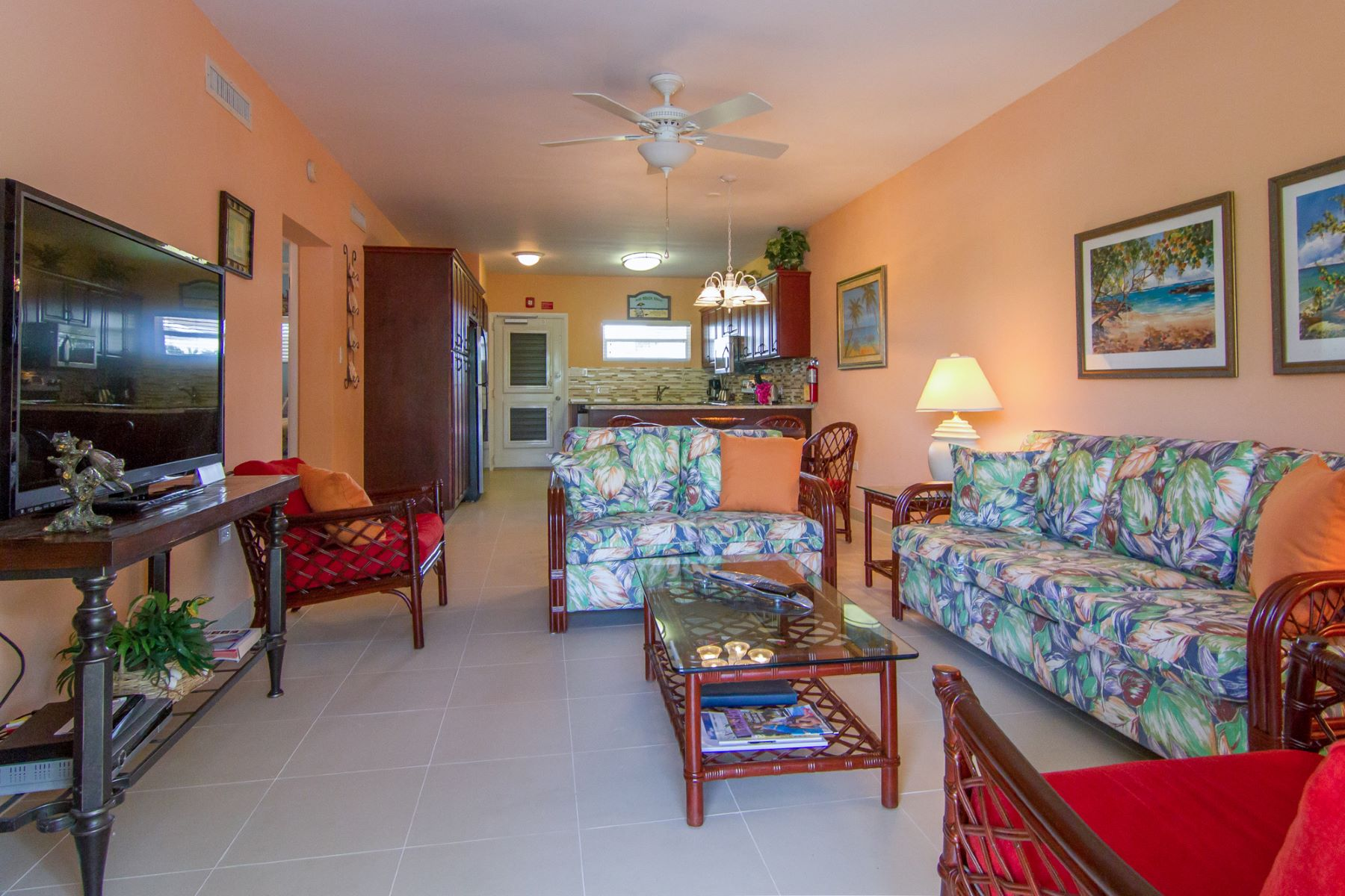 Additional photo for property listing at Christopher Columbus Seven Mile Beach,  Cayman Islands