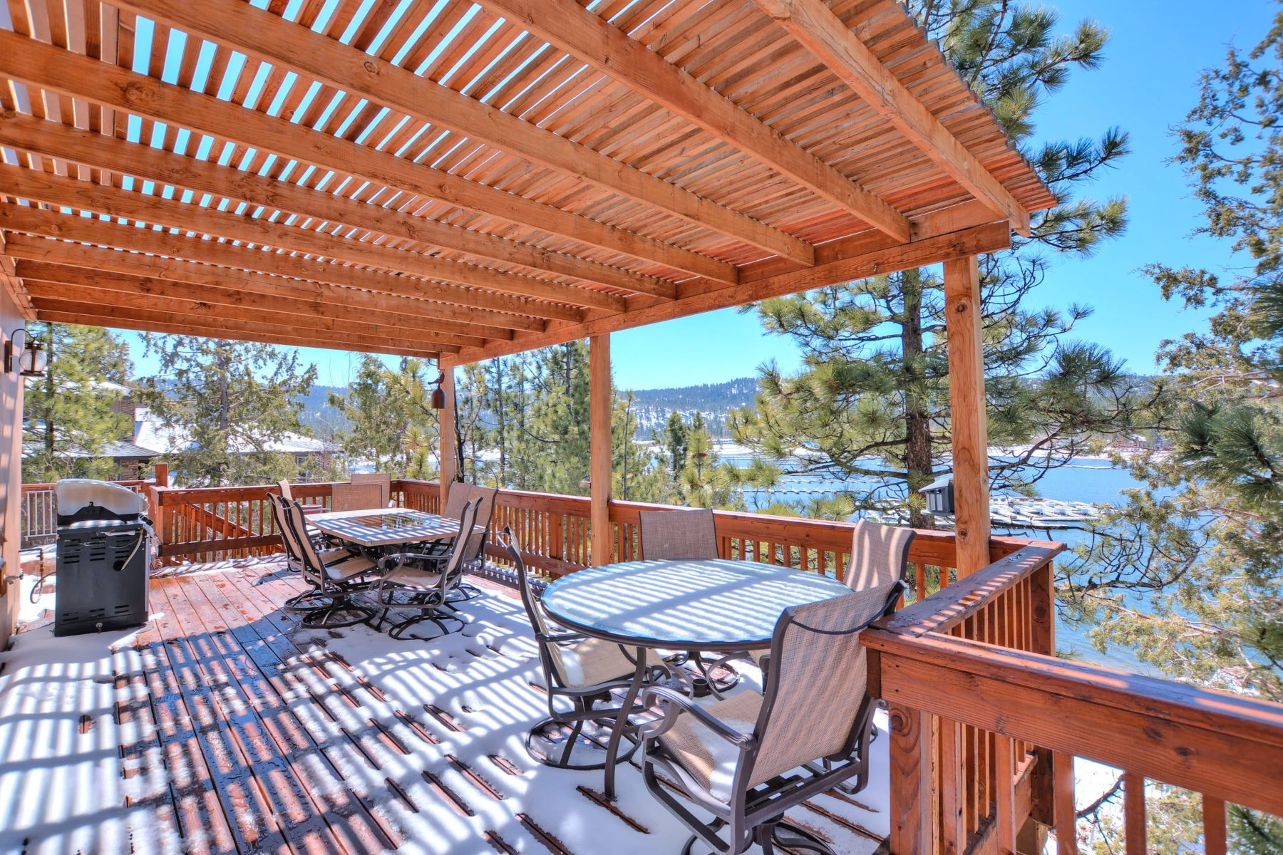 Single Family Home for Sale at 39569 Lake 39569 Lake Drive Big Bear Lake, California 92315 United States