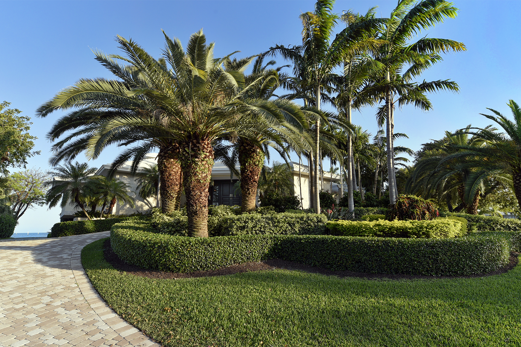 Additional photo for property listing at Extraordinary Oceanfront Home at Ocean Reef 24 Angelfish Cay Drive Key Largo, Florida 33037 United States