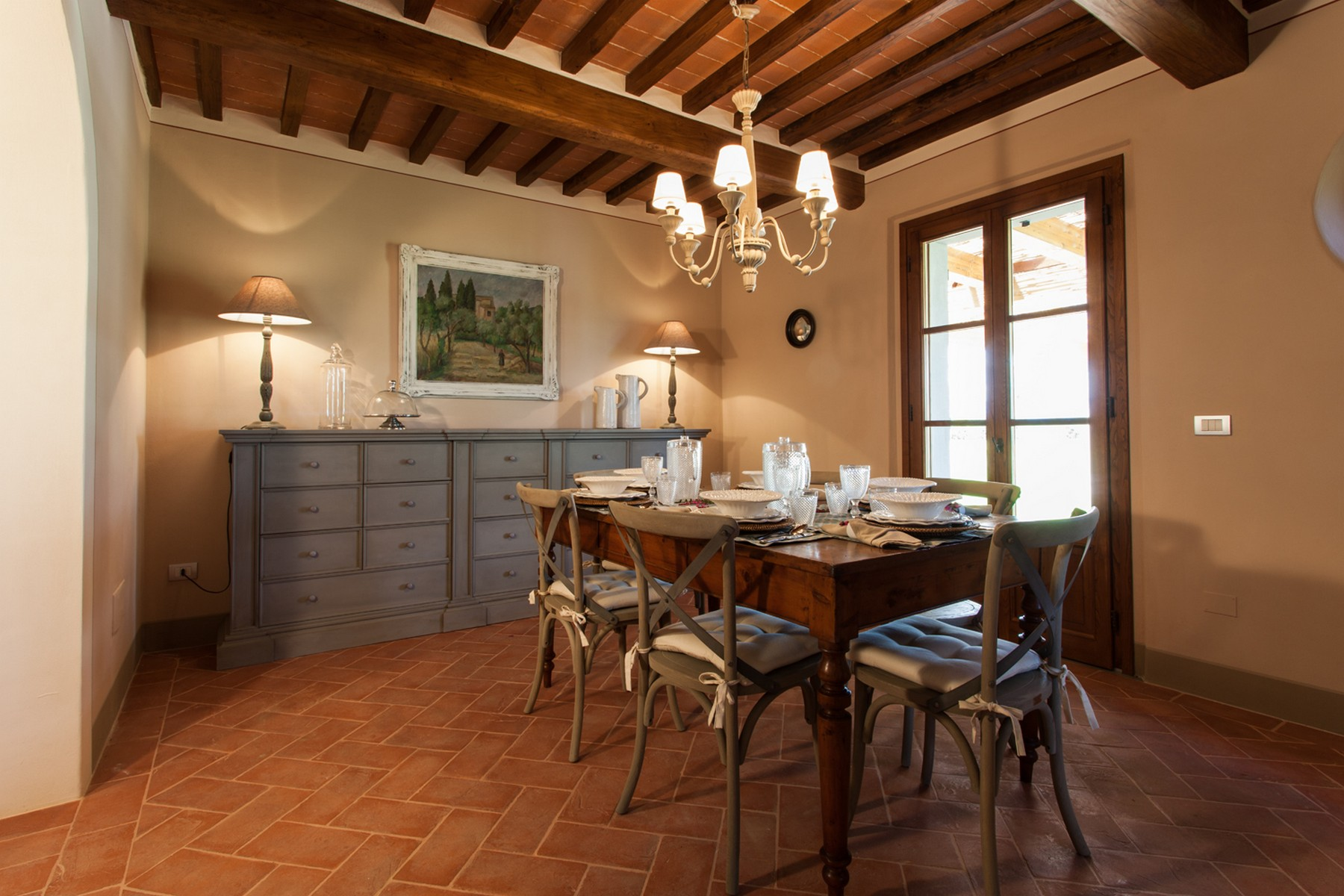Additional photo for property listing at Marvelous Hunting Lodge in Tuscan Countryside Cortona, Arezzo Italia