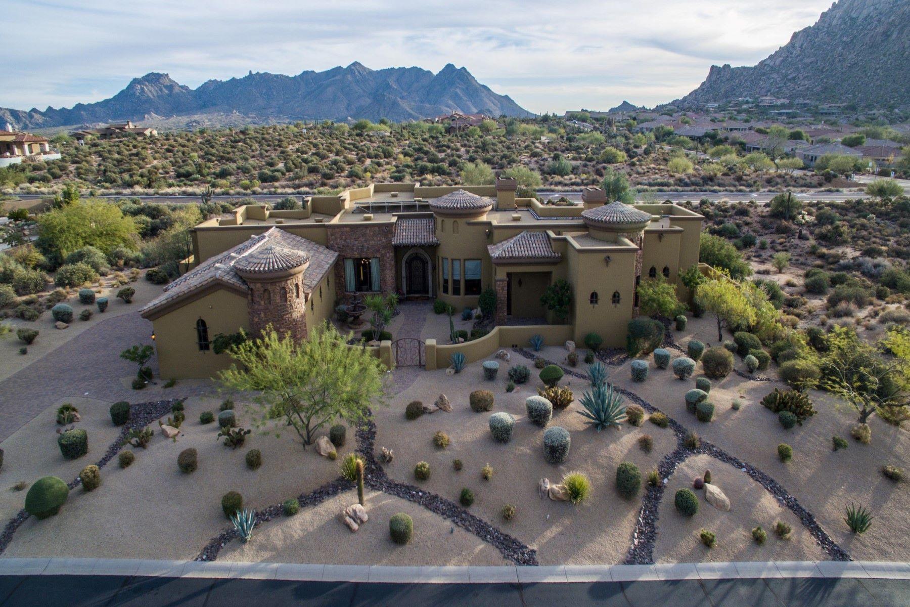 Nhà ở một gia đình vì Bán tại Beautiful Custom Tuscan Home 11611 E Cavedale Drive Scottsdale, Arizona, 85262 Hoa Kỳ
