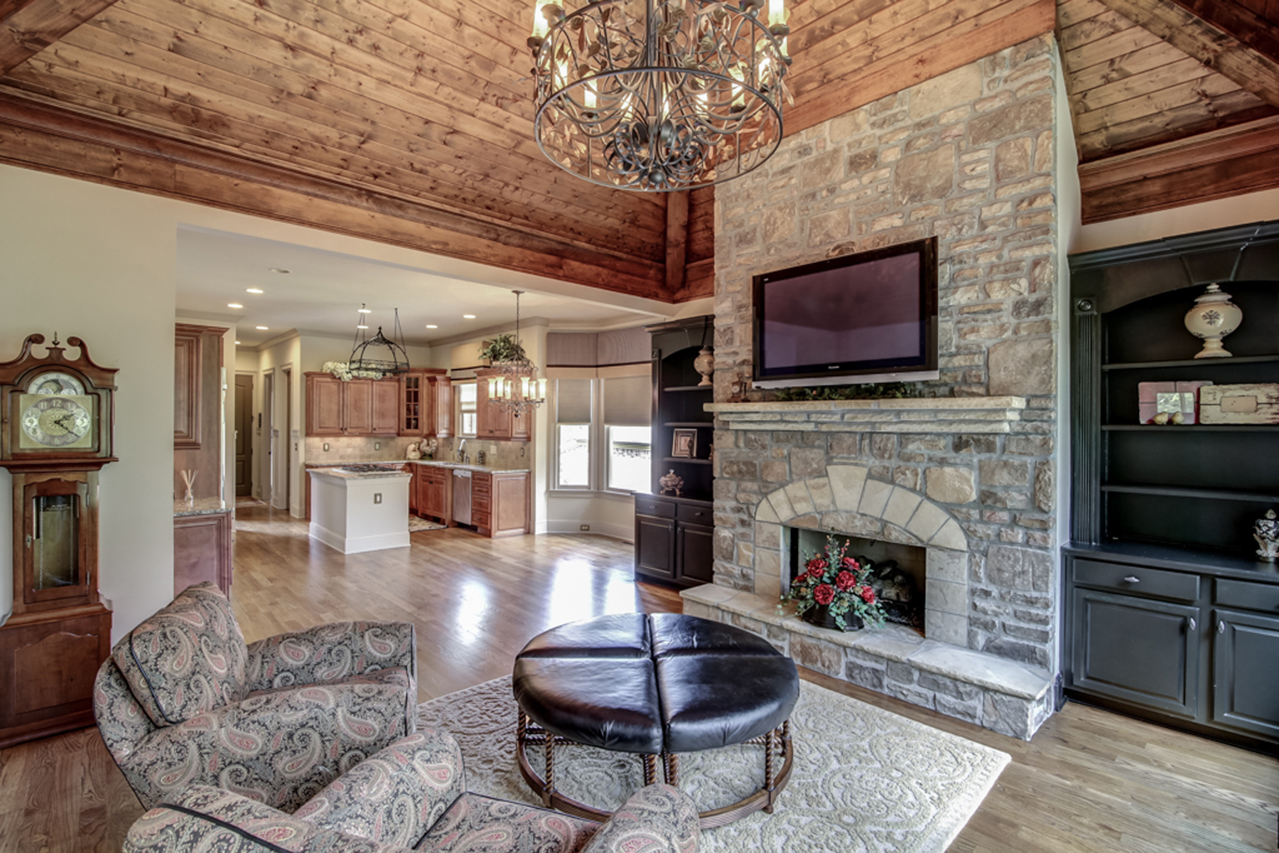 Additional photo for property listing at Immaculate With Master On Main 6062 Tattnall Overlook Acworth, 조지아 30101 미국