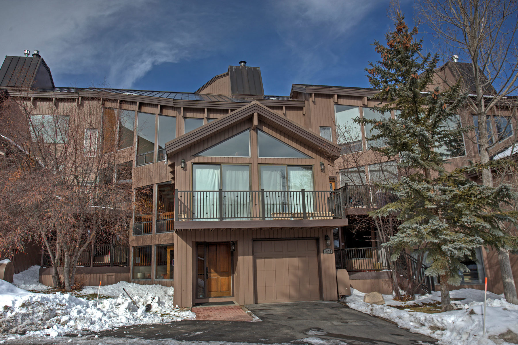 Condominium for Sale at Recently Remodeled Four Bedroom Pinnacle Condo 1675 Amber Rd # 58 Park City, Utah, 84060 United States