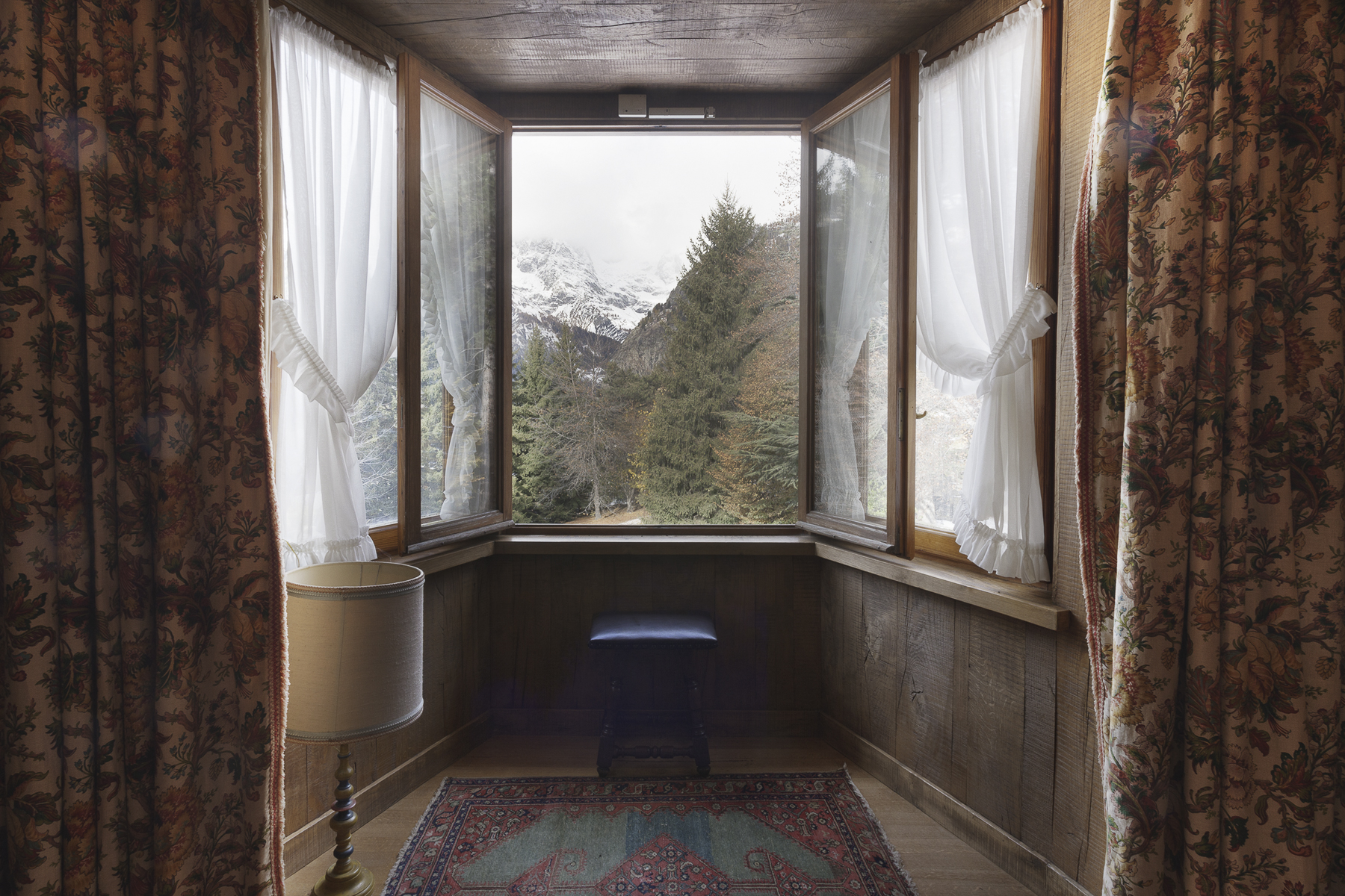 Additional photo for property listing at Old mansion including more villas in Courmayeur Via Donzelli Courmayeur, Aosta 11013 Italia