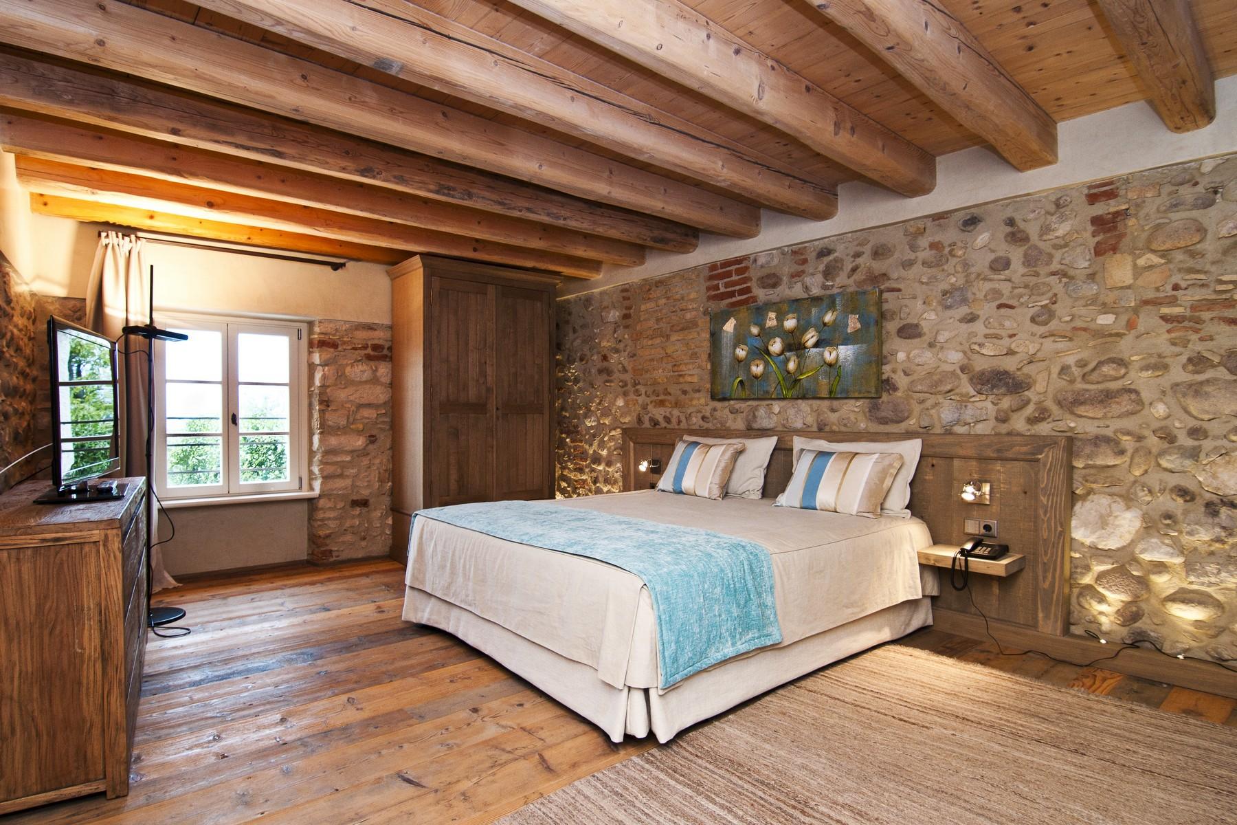 Additional photo for property listing at Wonderful property overlooking Lake Garda Bardolino Bardolino, Verona 37011 Italien