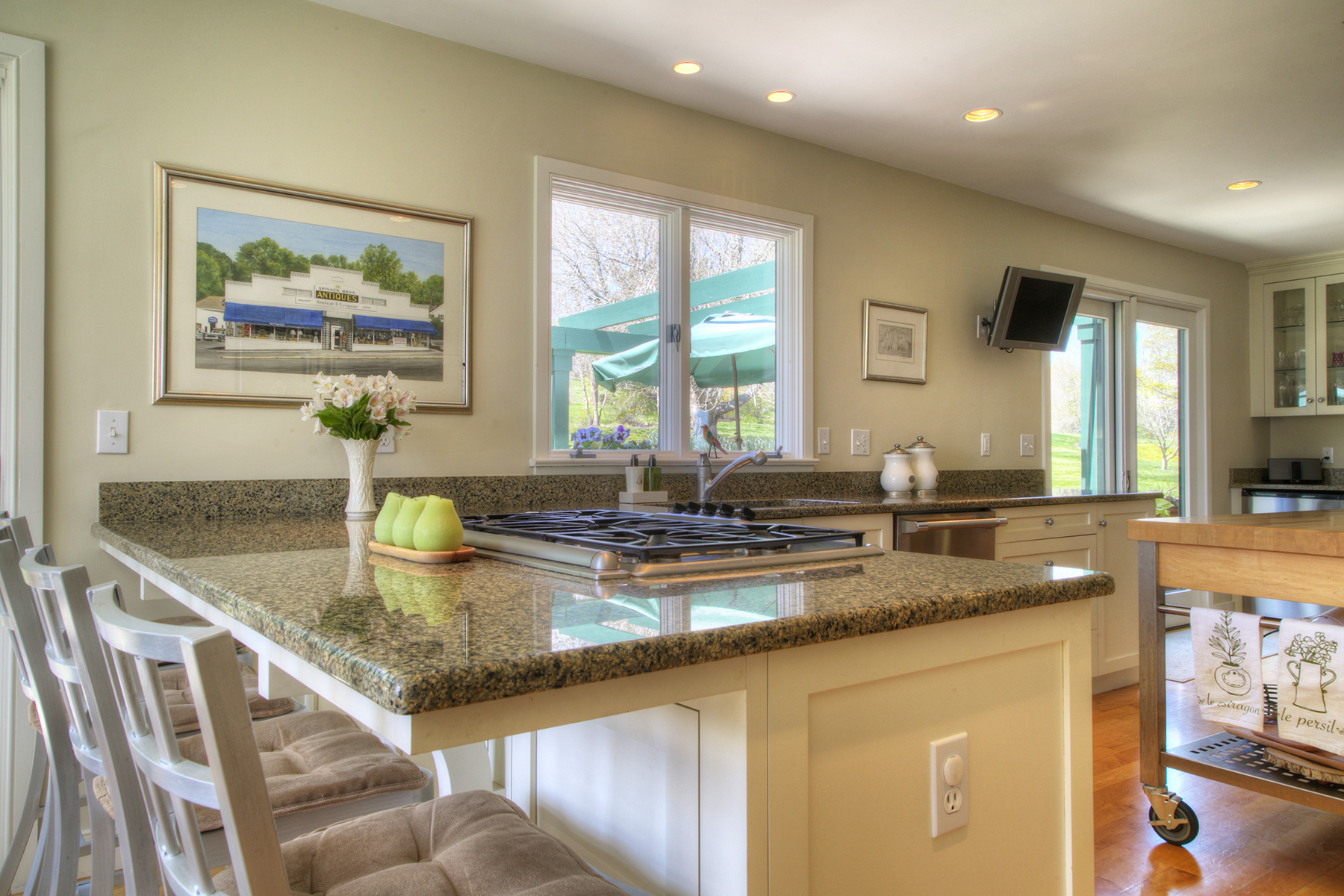 Additional photo for property listing at Panoramic Water Views 249 Fischer Circle Portsmouth, Rhode Island 02871 United States