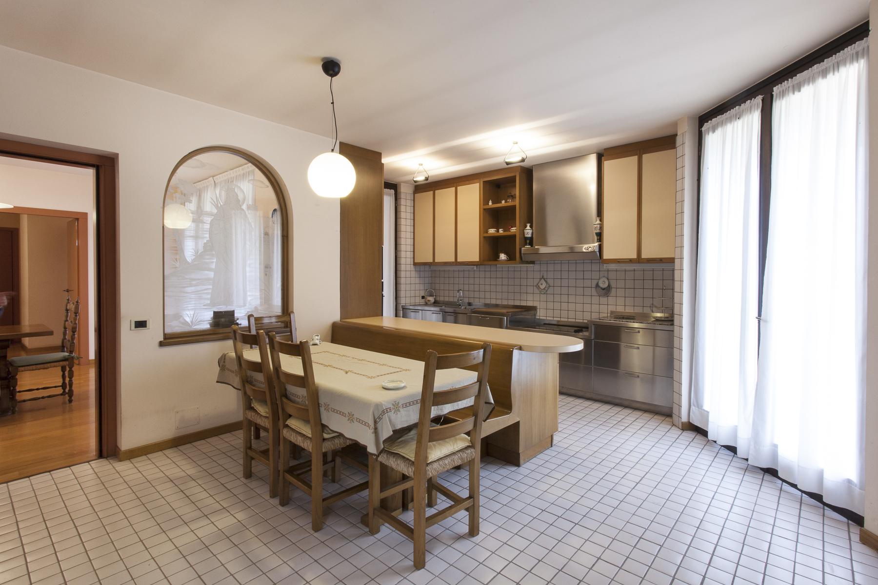 Additional photo for property listing at Villa in Monferrato surrounded by 18 hectares of park Regione San Carlo Montiglio Monferrato, Asti 14026 Italie