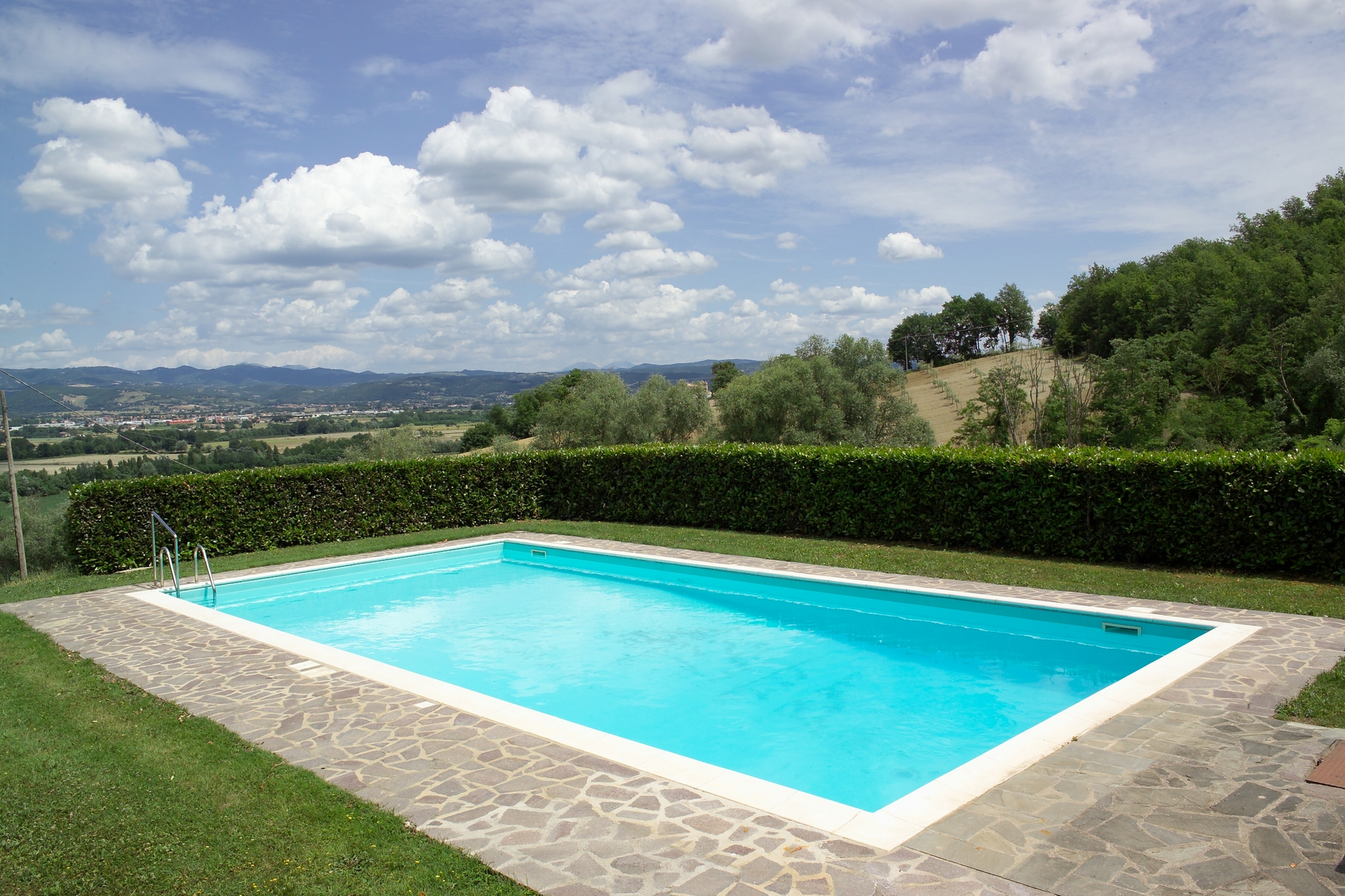 Additional photo for property listing at Lovely country house with pool between Umbria and Tuscany Citerna, Perugia Italie
