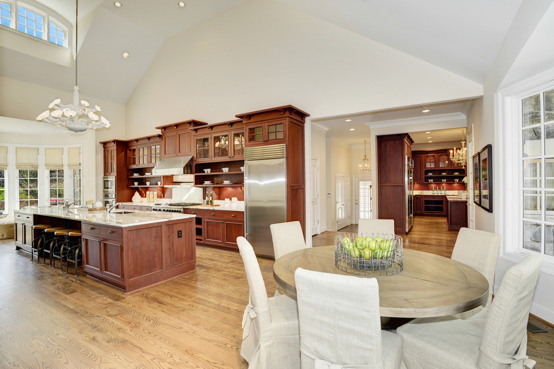 Additional photo for property listing at Masterpiece in The Reserve 1017 Founders Ridge Ln McLean, バージニア 22102 アメリカ合衆国