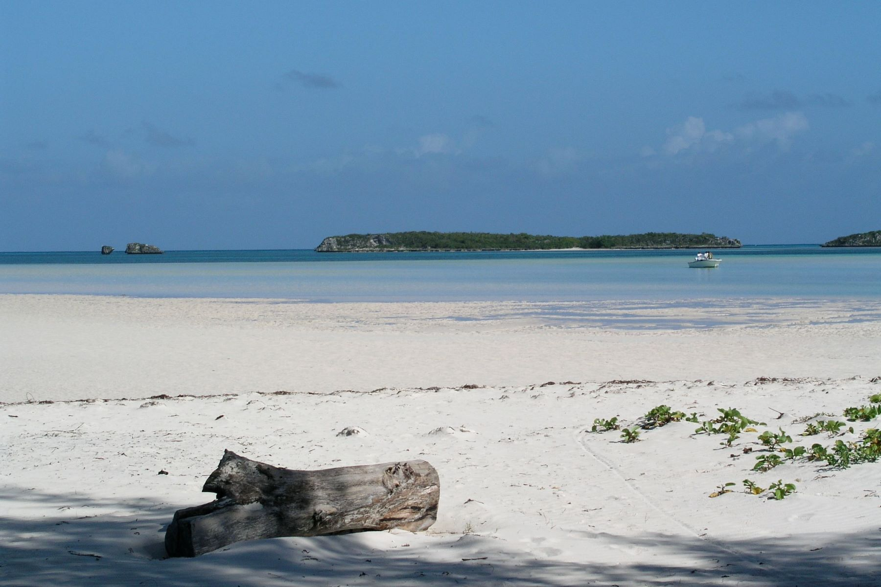 Land for Sale at Lot 4 with beach access Russell Island, Spanish Wells, Eleuthera Bahamas