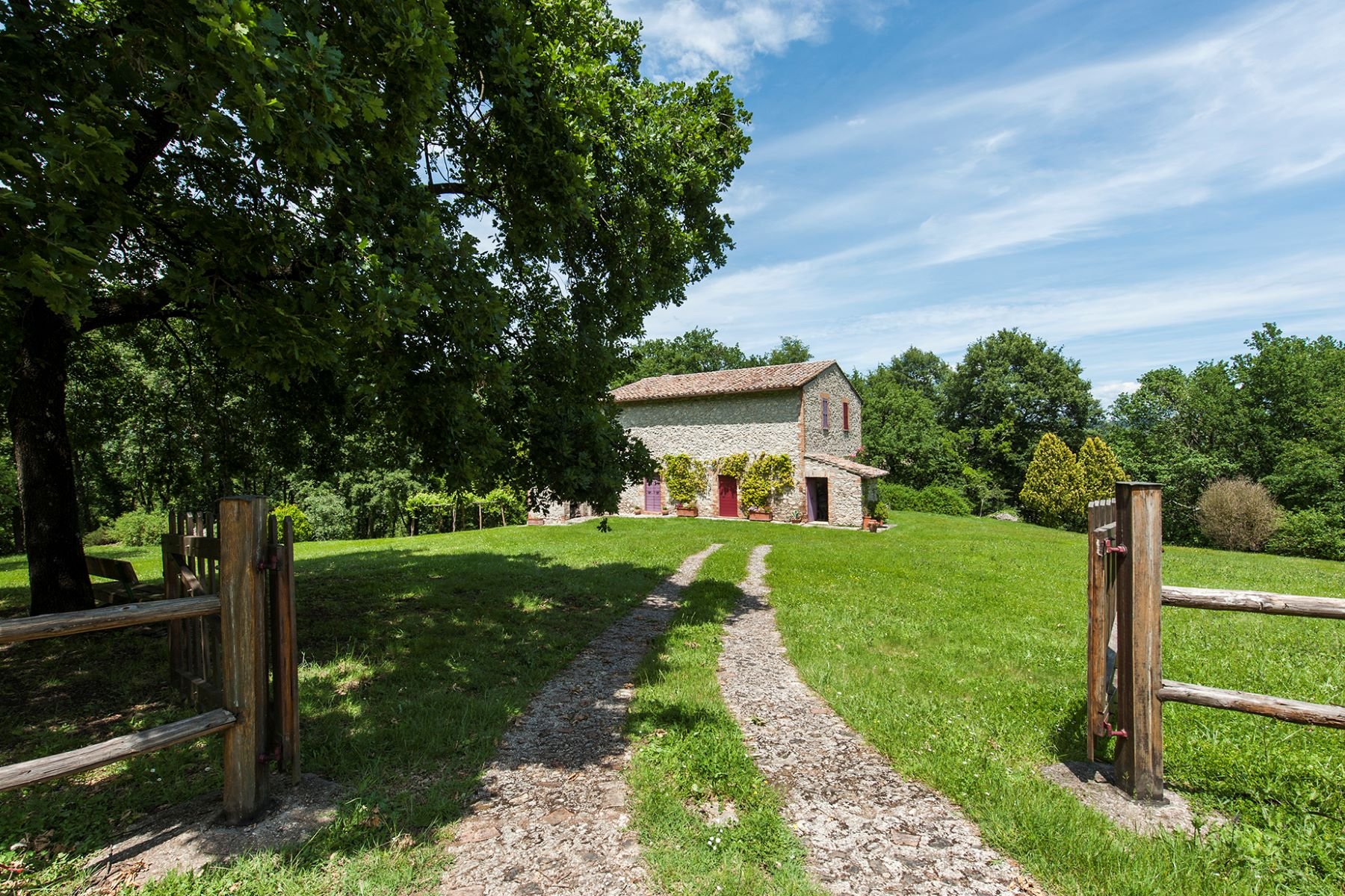 Maison unifamiliale pour l Vente à Beautiful farmhouse near Orte Orte, Viterbo Italie