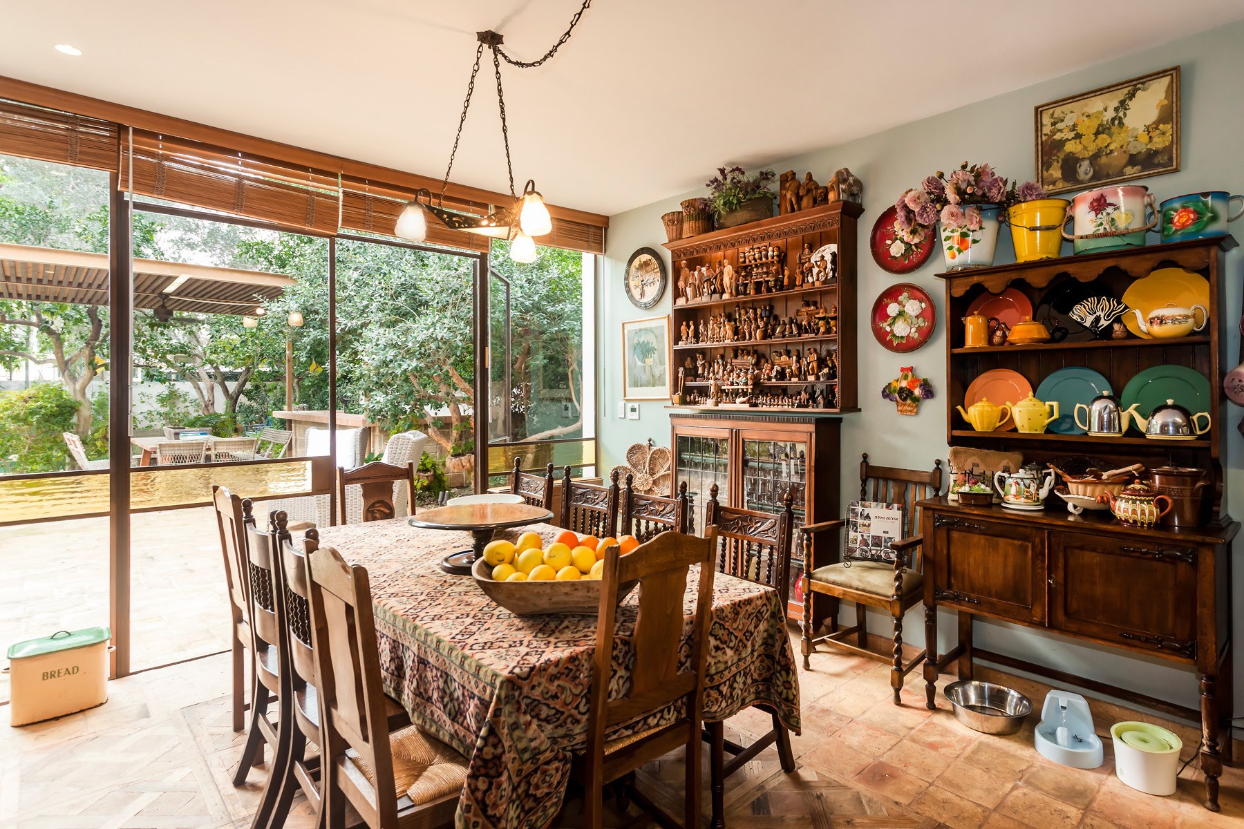Additional photo for property listing at An Eclectic Antique Style Home 特拉维夫, 以色列 以色列