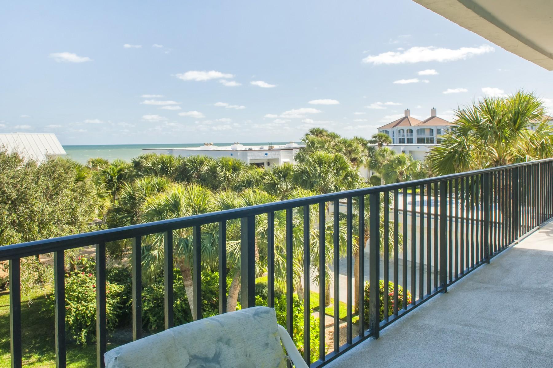 Condomínio para Venda às Spacious Ocean View Condo 5810 Highway A1A #3C Vero Beach, Florida, 32963 Estados Unidos