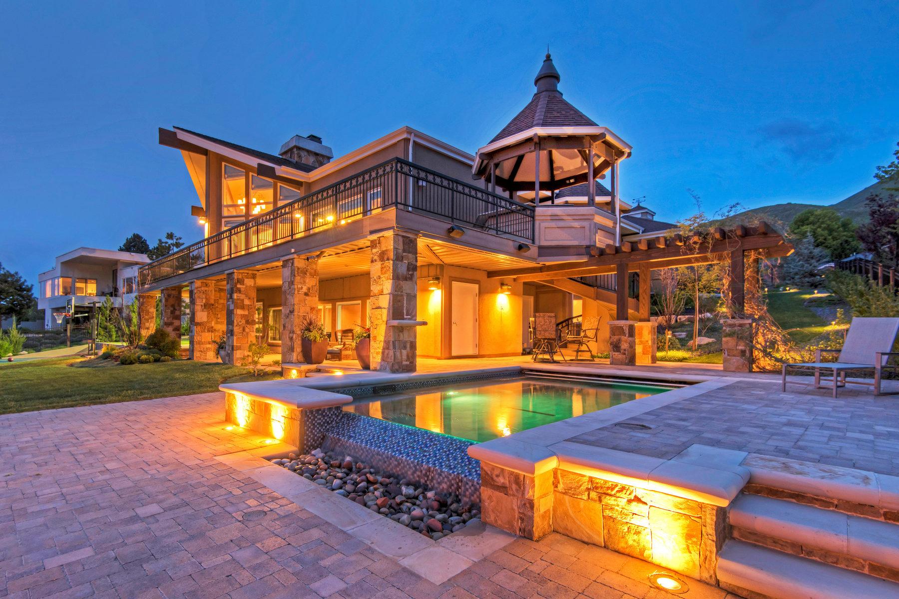 独户住宅 为 销售 在 Completely Remodeled 1430 E Perrys Hollow Dr 盐湖城市, 犹他州, 84103 美国